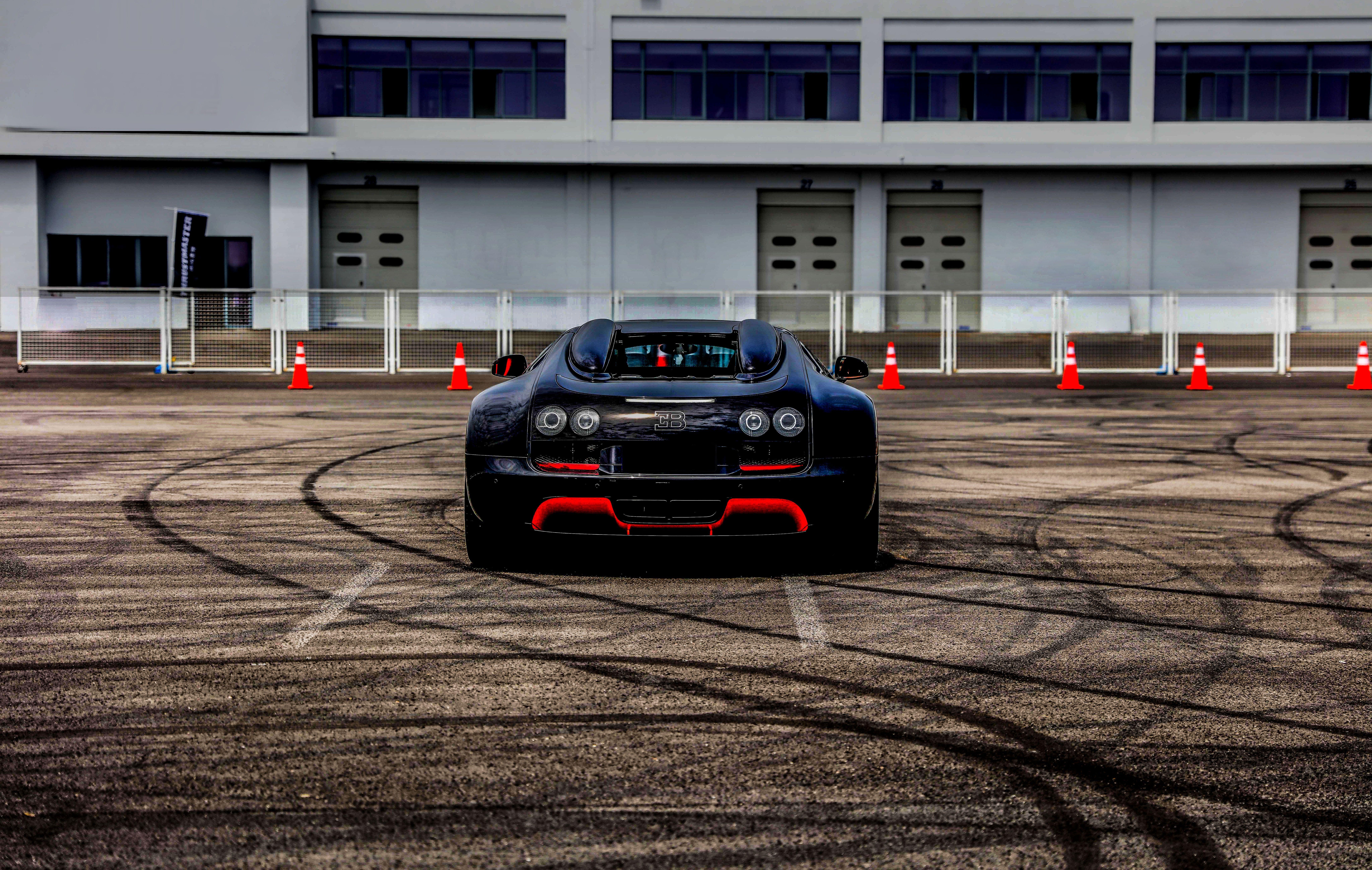 74158 скачать обои Бугатти (Bugatti), Bugatti Veyron, Тачки (Cars), Спорткар, Вид Сзади - заставки и картинки бесплатно