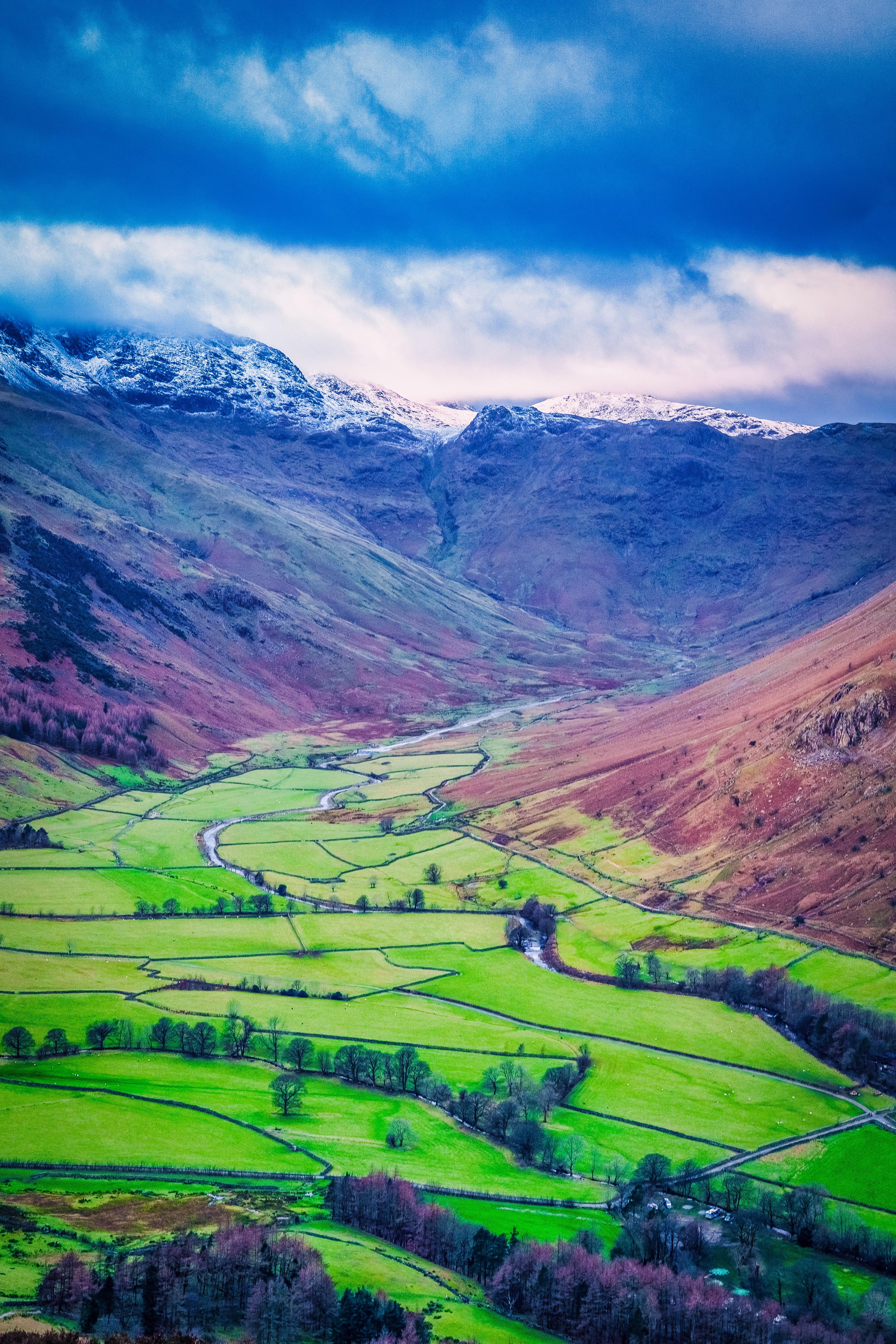 152649 Hintergrundbild herunterladen Landschaft, Natur, Felder, Mountains, Blick Von Oben, Senke, Tal - Bildschirmschoner und Bilder kostenlos