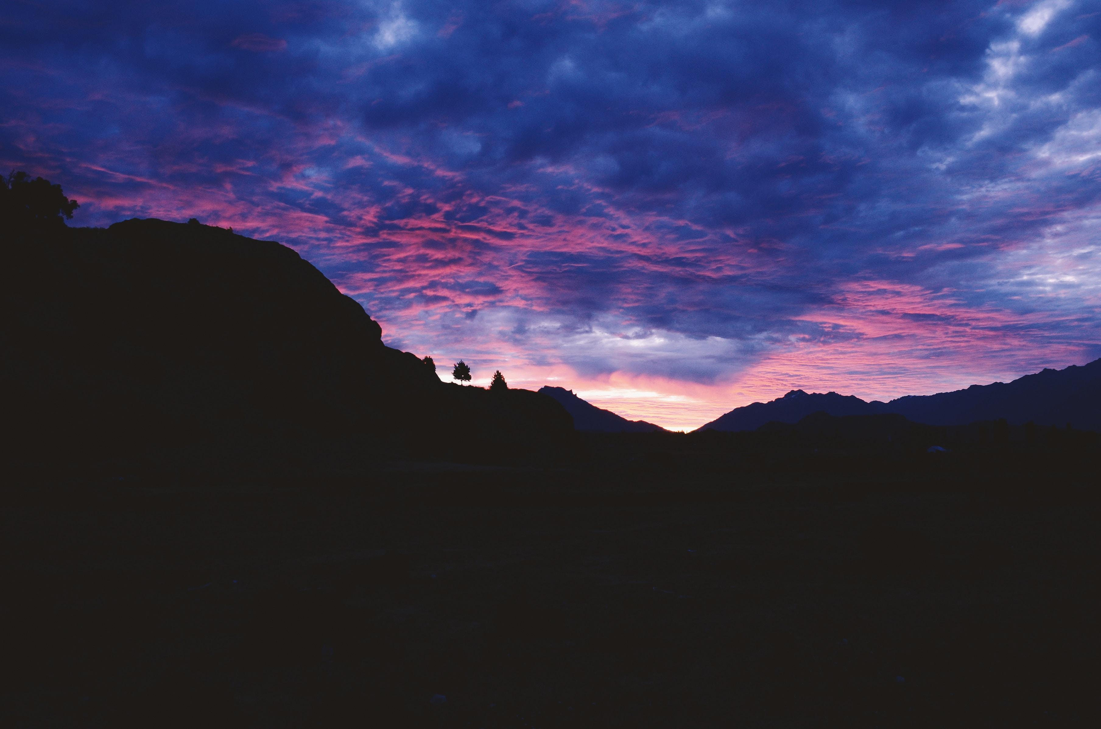 137930 скачать обои Природа, Закат, Небо, Облака, Горы - заставки и картинки бесплатно