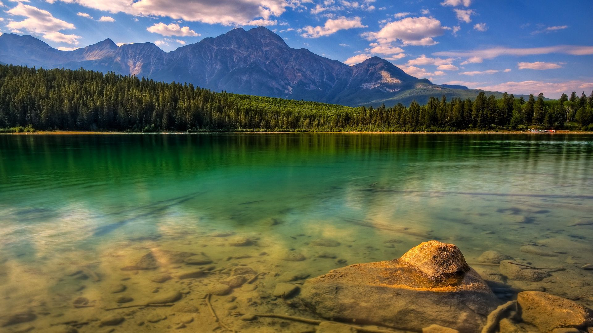 149363 download wallpaper Nature, Water, Trees, Stones, Mountains, Lake, Shore, Bank, Transparent, Forest, Bottom screensavers and pictures for free