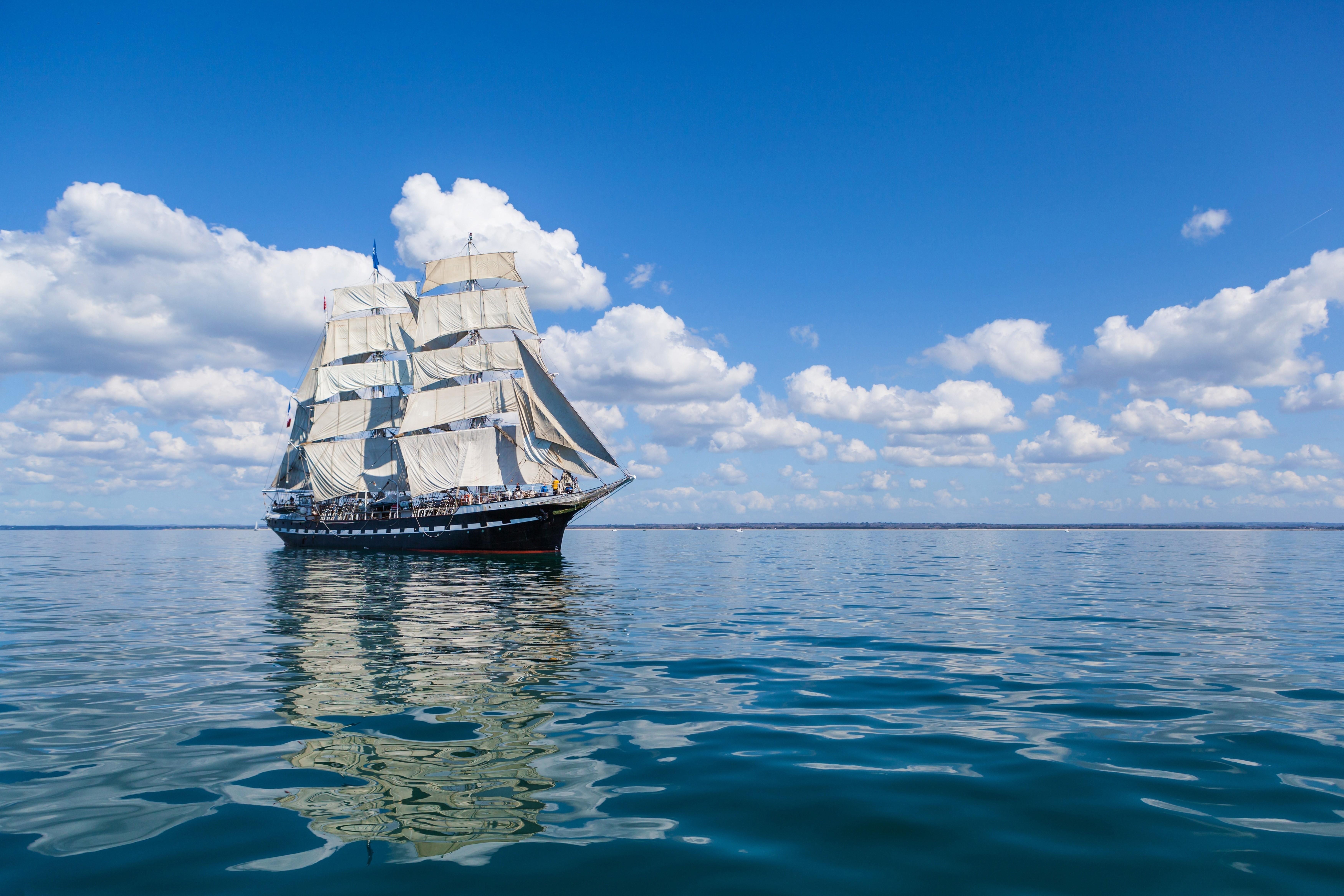 95406 скачать обои Море, Разное, Небо, Волны, Корабль, Парус - заставки и картинки бесплатно