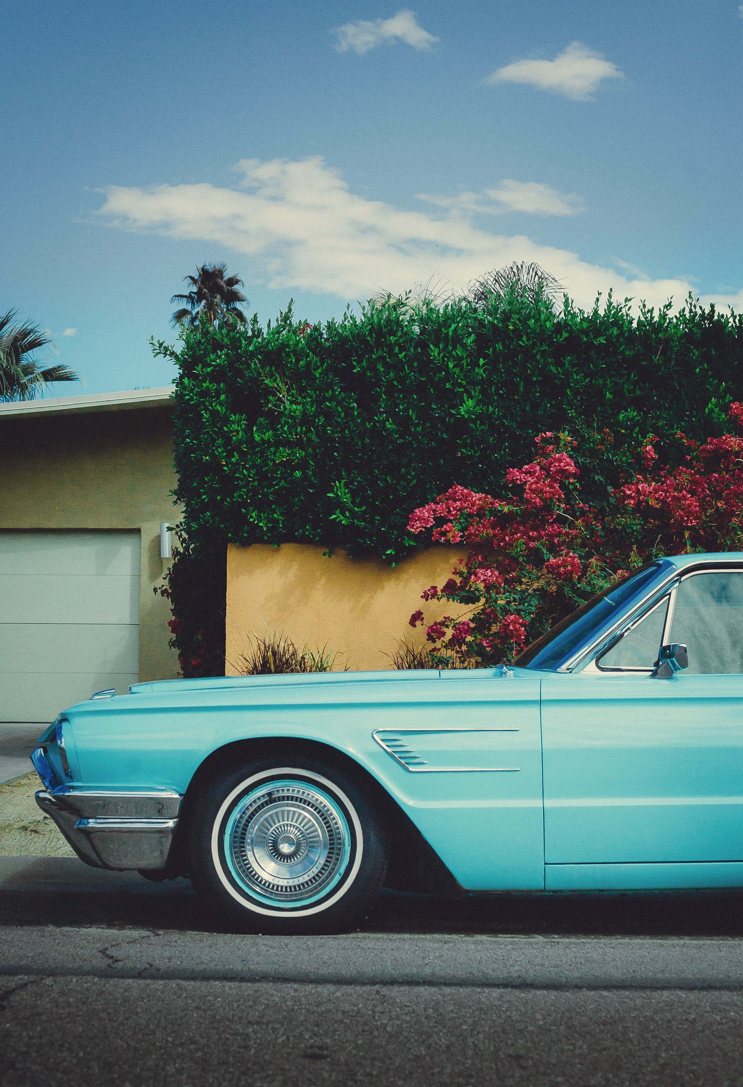 123822 Screensavers and Wallpapers Retro for phone. Download Cars, Car, Machine, Retro, Vintage, Street pictures for free