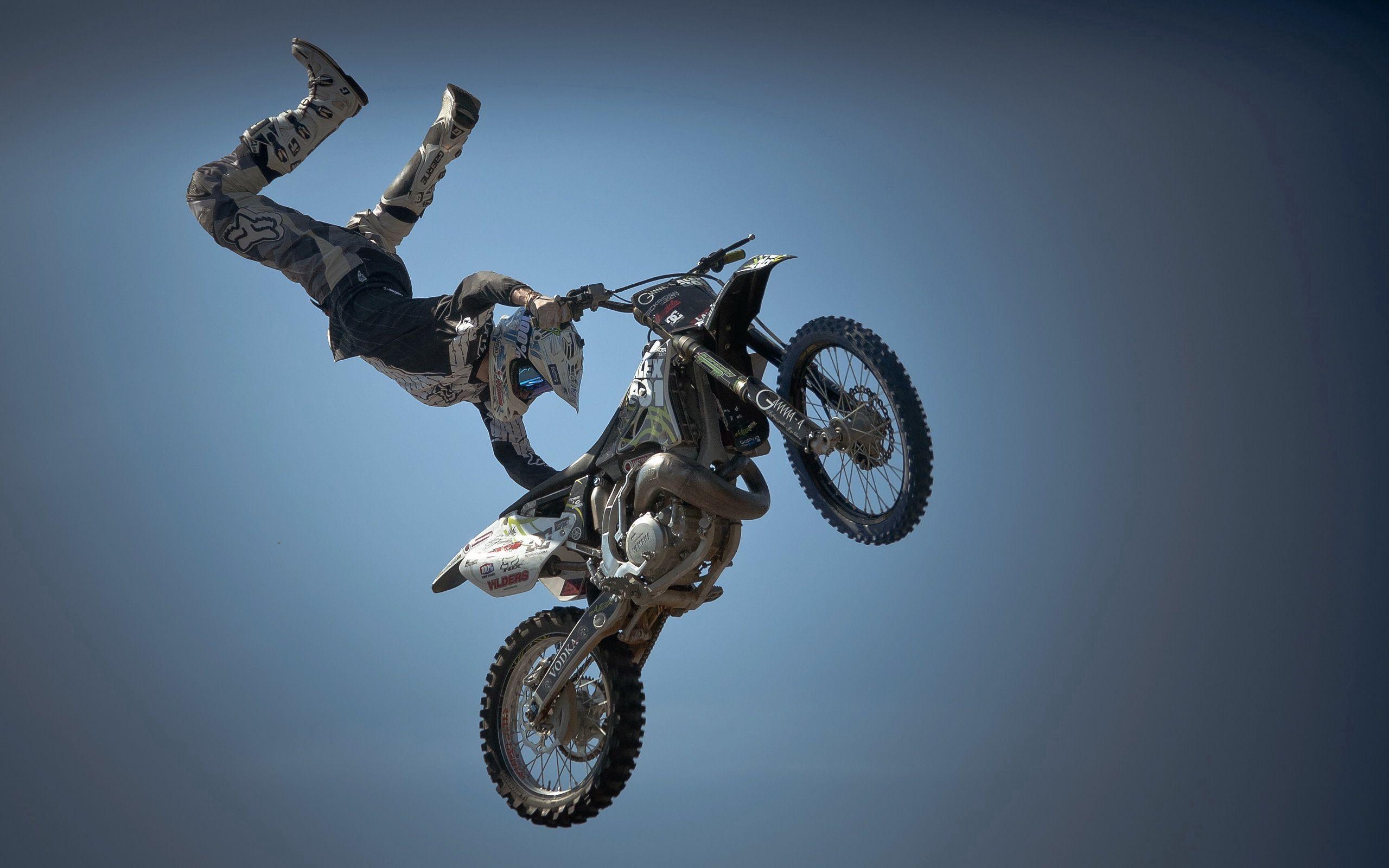 144835 завантажити шпалери Спорт, Мотоцикли, Мотоцикліст, Мотоцикл, Стрибок, Стрибати, Трюк - заставки і картинки безкоштовно