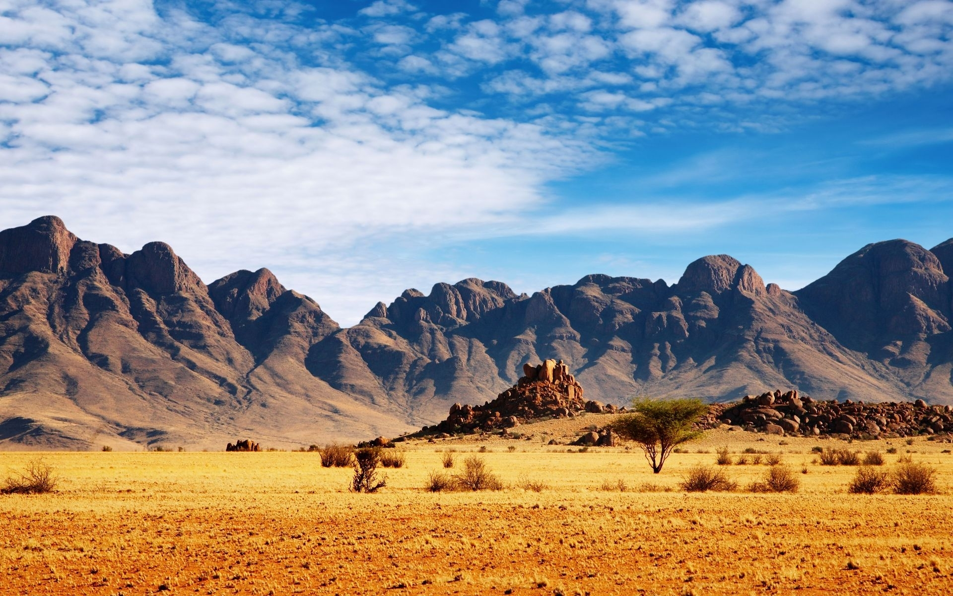 27197 download wallpaper Landscape, Sky, Mountains, Desert screensavers and pictures for free