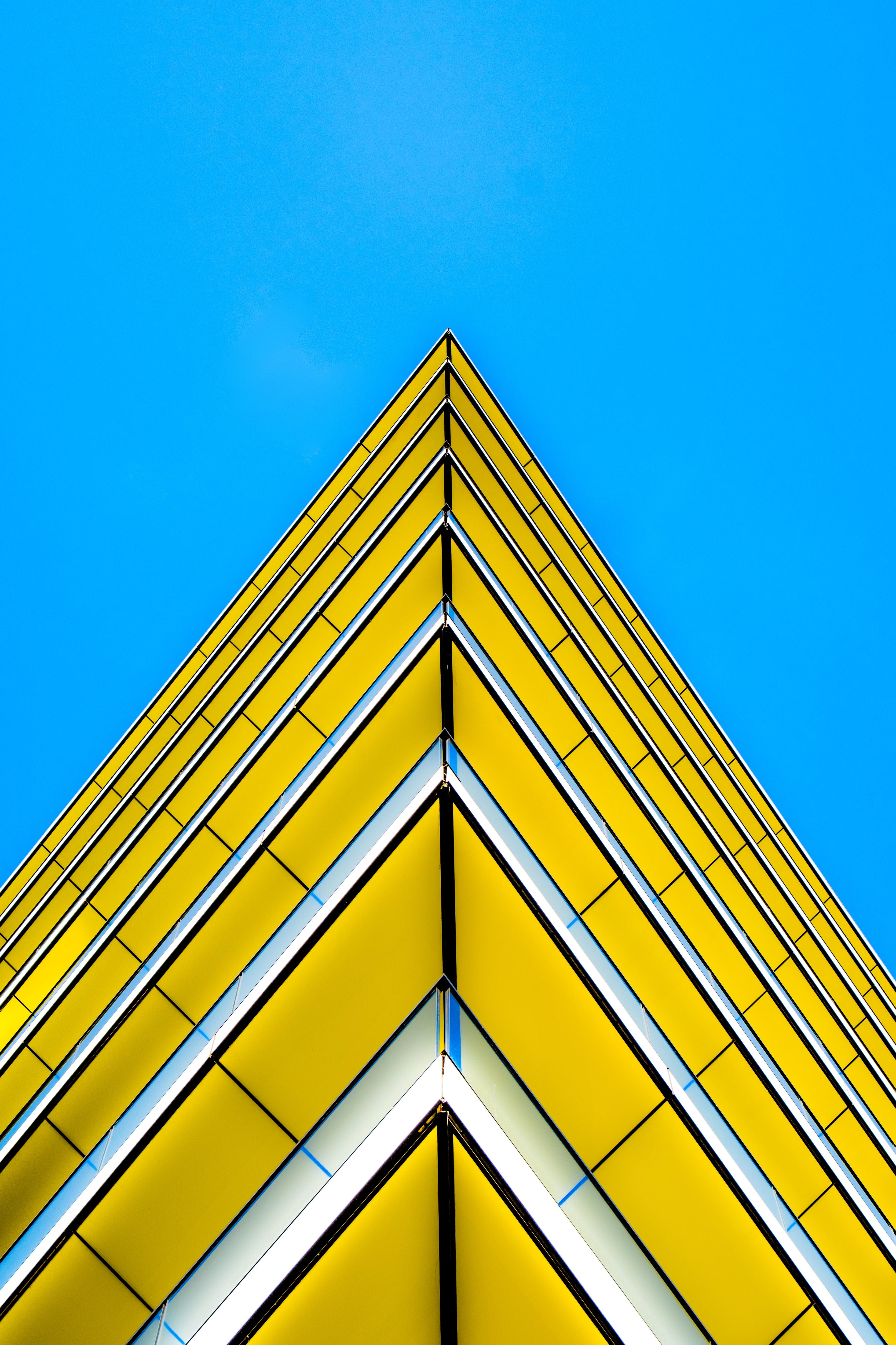 147980壁紙のダウンロードミニマリズム, 建物, ファサード, 角度, 隅, 急性, 鋭い, 黄色, アーキテクチャ-スクリーンセーバーと写真を無料で