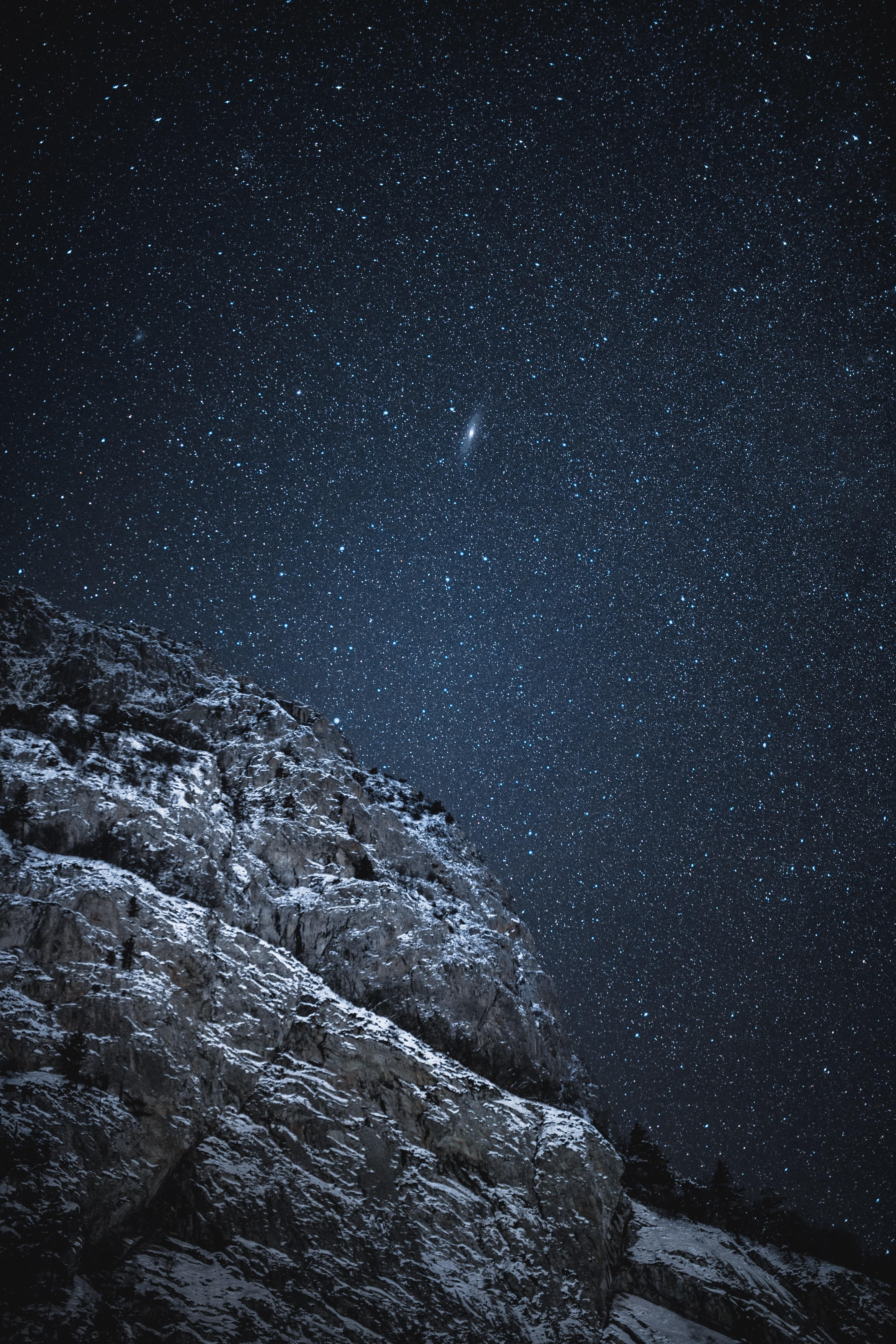 153734 скачать обои Темные, Скала, Звездное Небо, Ночь, Темный, Звезды - заставки и картинки бесплатно