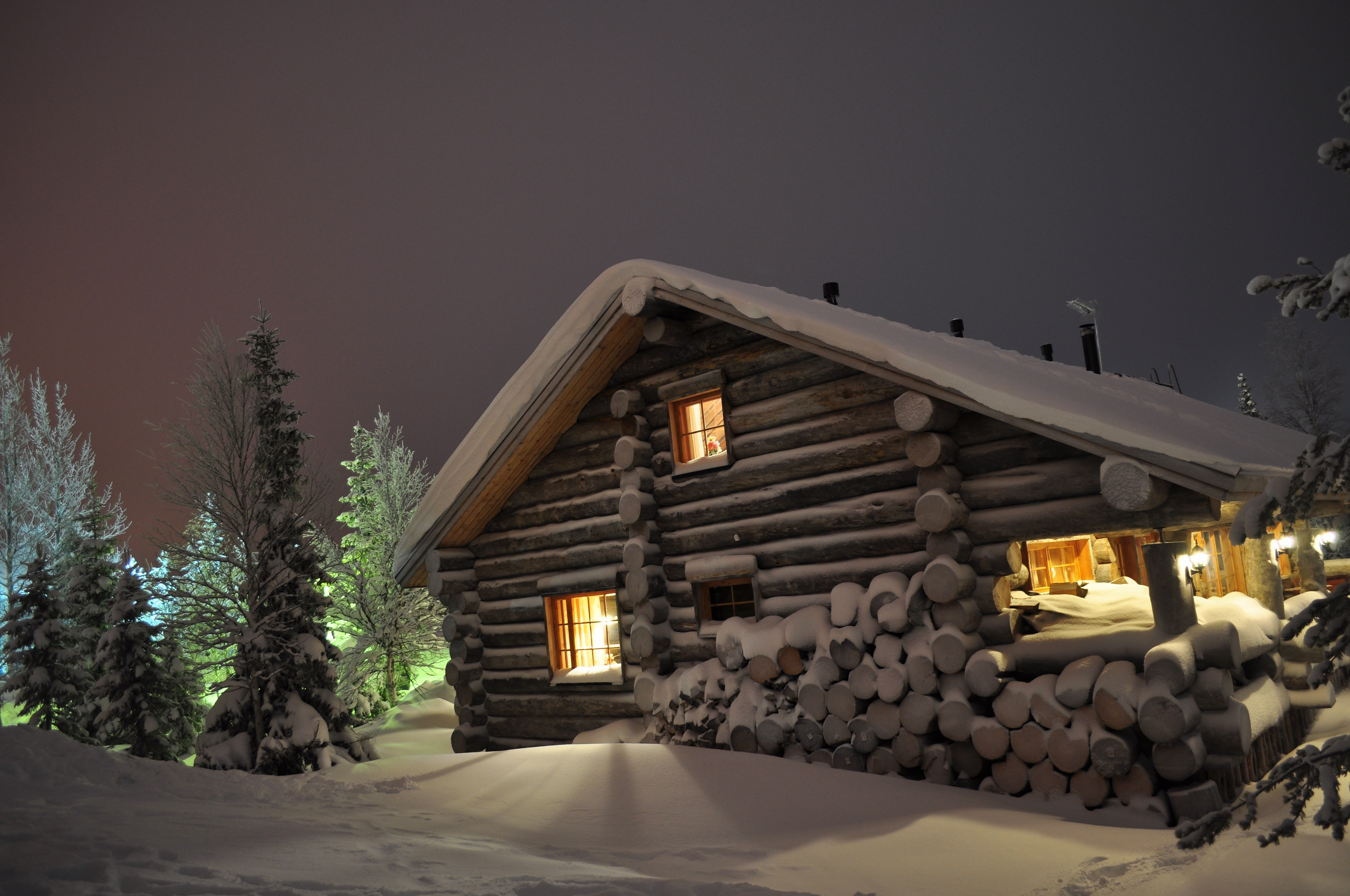 86831 Screensavers and Wallpapers Windows for phone. Download Winter, Nature, Windows, Shine, Light, House, Drifts, Logs pictures for free