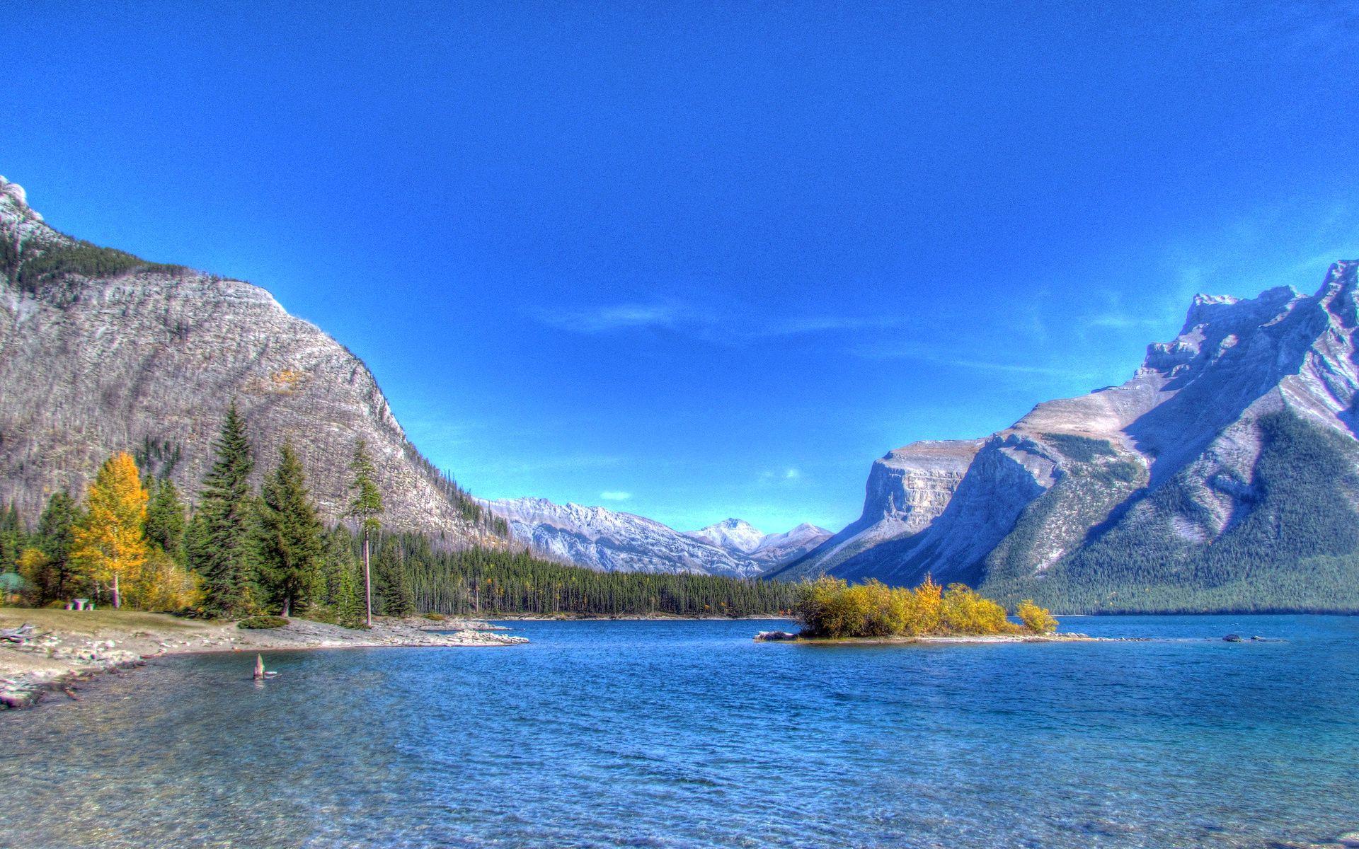 114218 Hintergrundbild herunterladen Mountains, Natur, Sky, See, Ufer, Bank - Bildschirmschoner und Bilder kostenlos