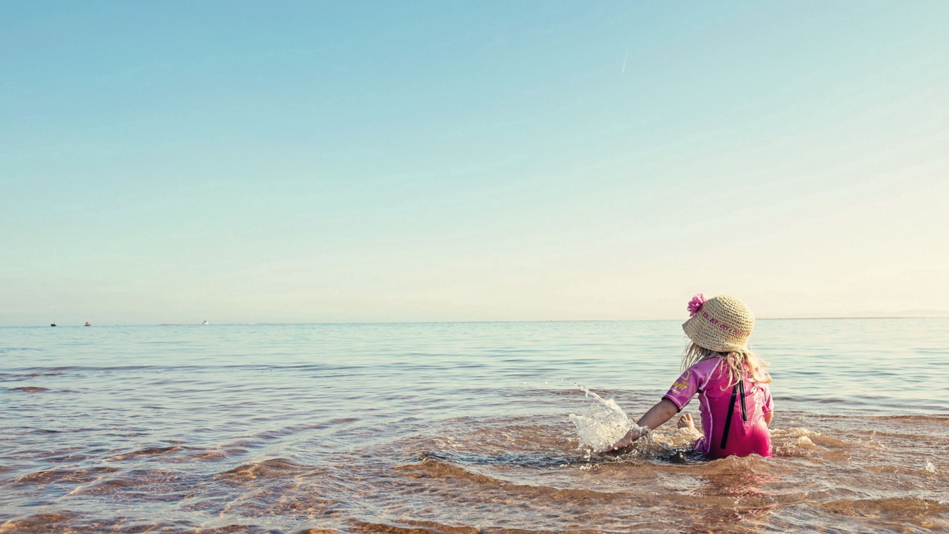 131932 скачать обои Разное, Девочка, Море, Лето, Настроение - заставки и картинки бесплатно