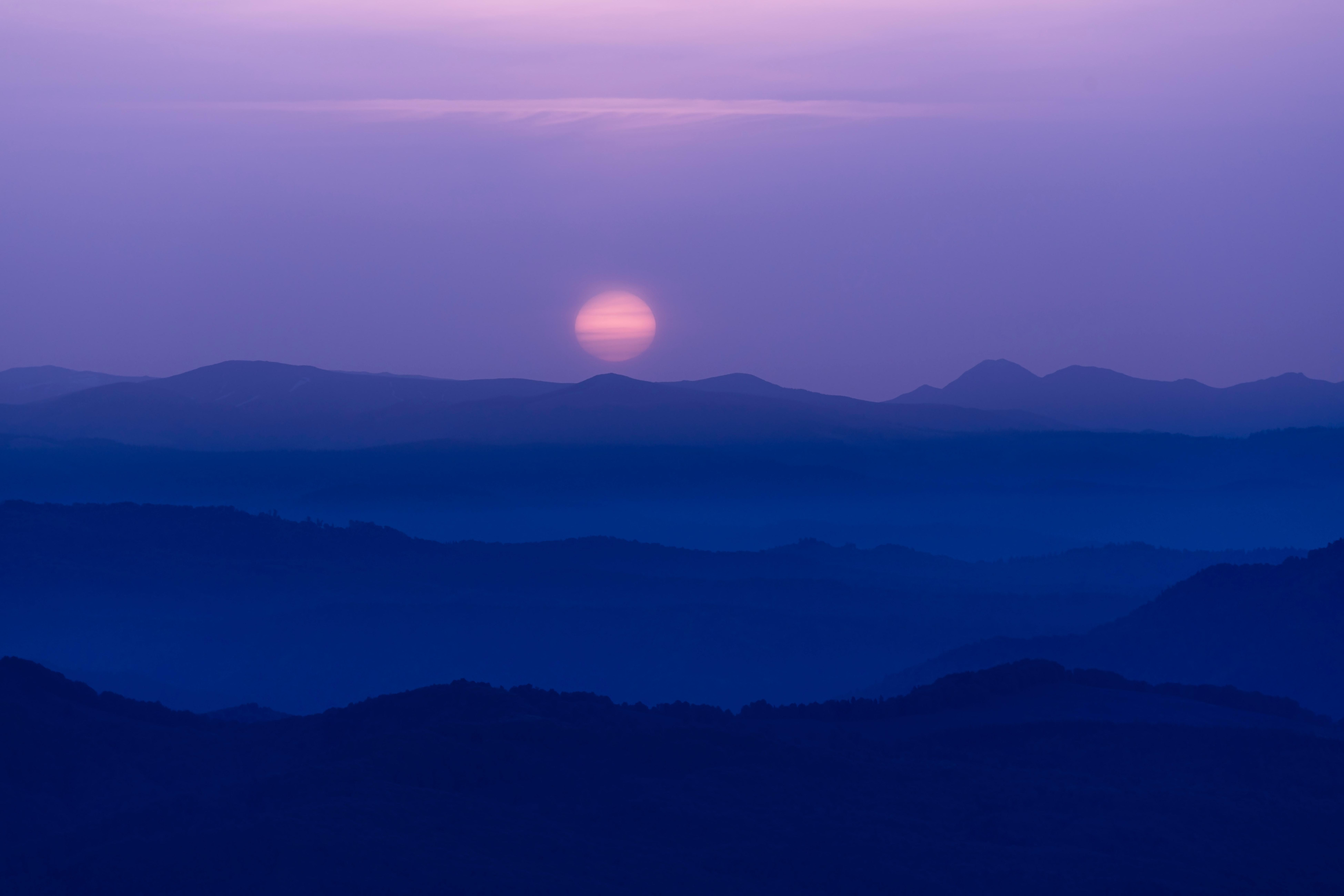 111690 免費下載壁紙 性质, 月球, 山丘, 丘陵, 夜, 多雾路段, 雾 屏保和圖片