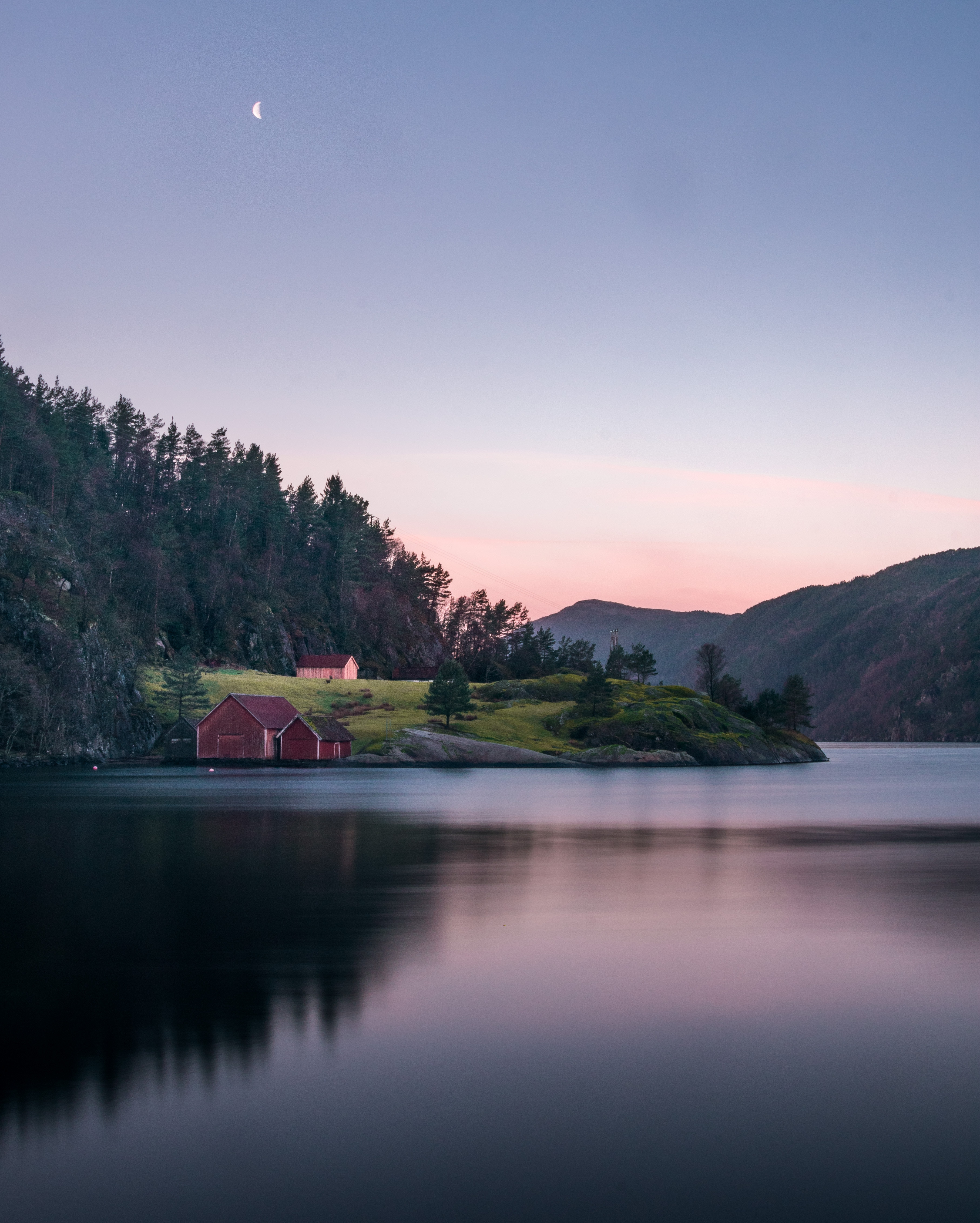 141092 Screensavers and Wallpapers Small House for phone. Download Nature, Lake, Small House, Lodge, Silence pictures for free