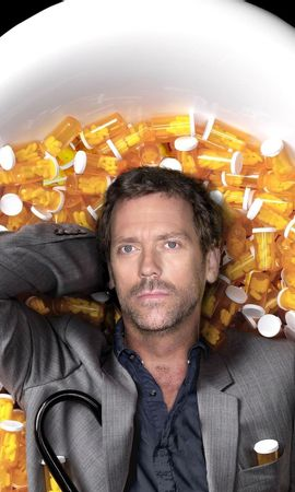 5013 download wallpaper Cinema, People, Actors, Men, House M.d., Hugh Laurie screensavers and pictures for free