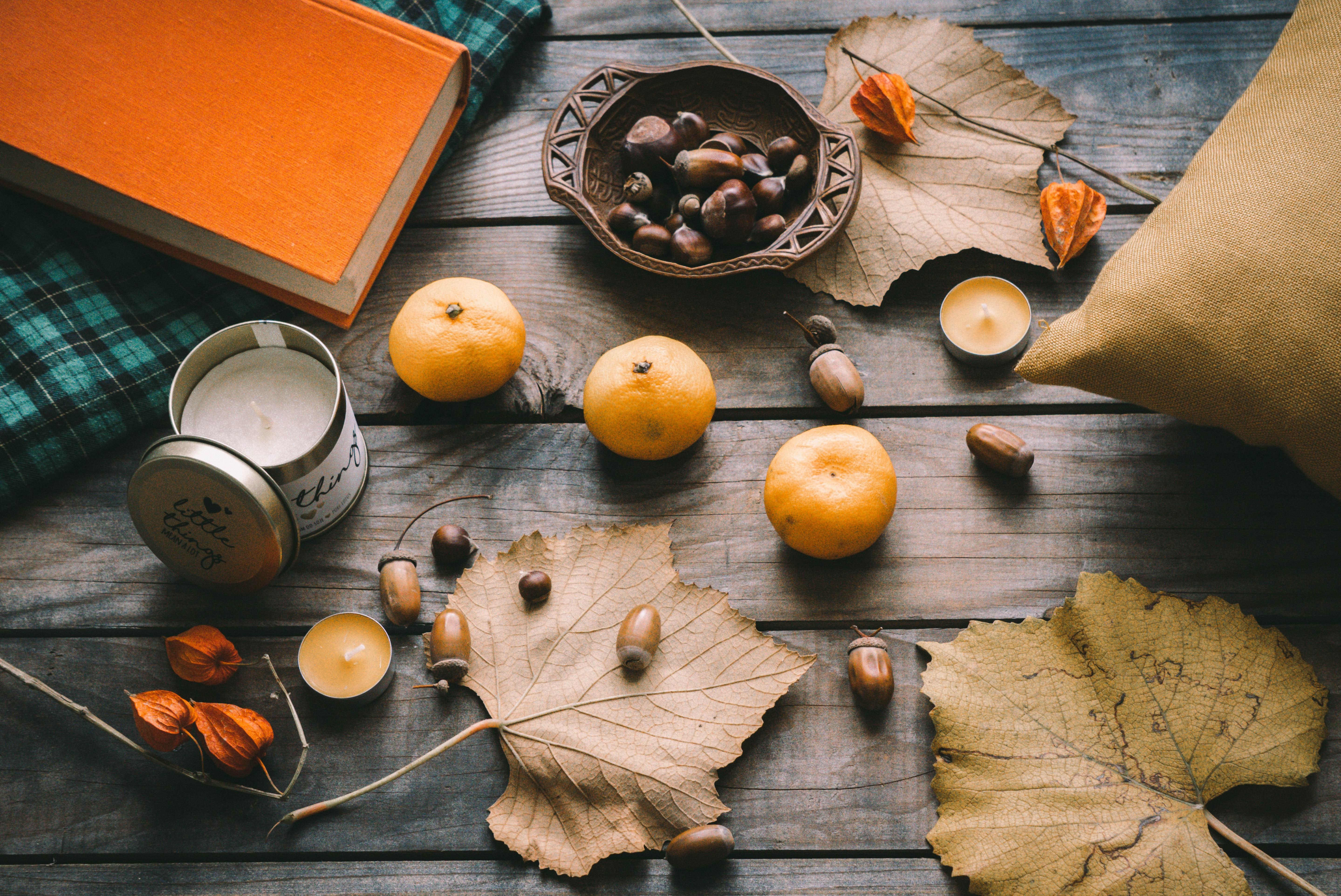 121564 скачать обои Разное, Листья, Осень, Мандарины, Желуди, Каштаны - заставки и картинки бесплатно
