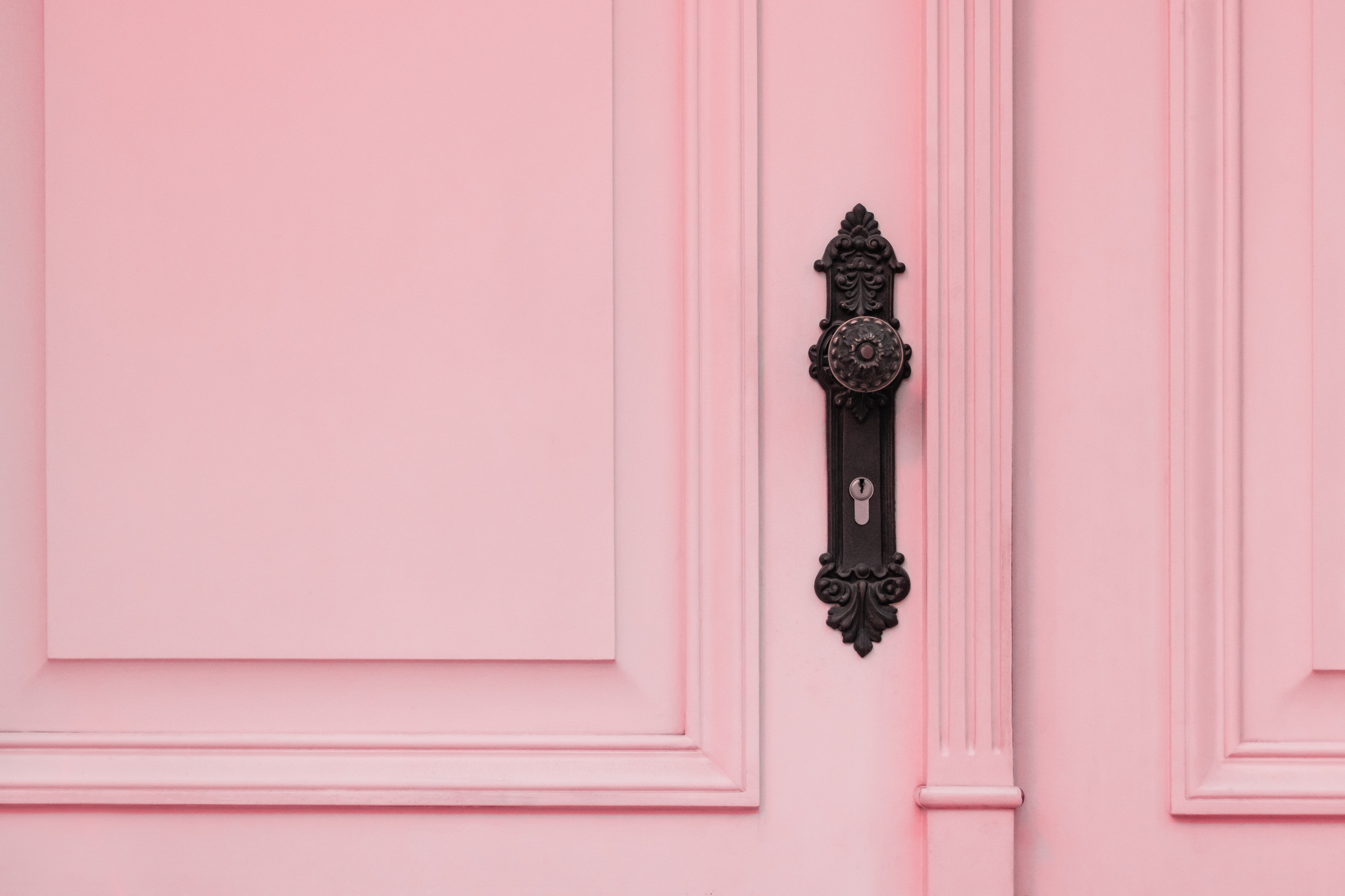 78596 Screensavers and Wallpapers Lock for phone. Download Pink, Lock, Minimalism, Door, Pen pictures for free