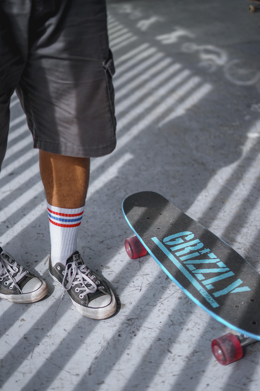 150988 скачать обои Спорт, Скейтборд, Скейт, Скейтер, Ноги, Кеды, Стиль - заставки и картинки бесплатно