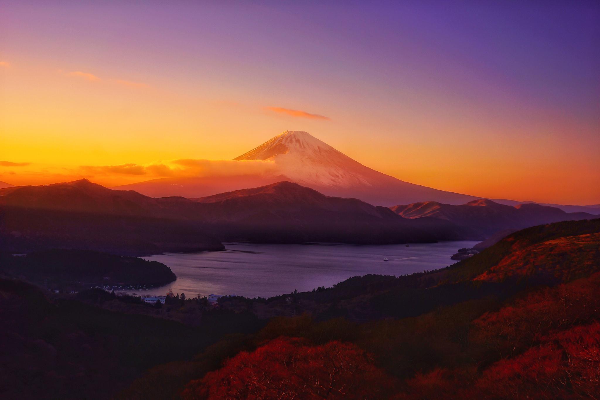 66772 Hintergrundbild herunterladen Natur, Sky, Mountains, Horizont, Dahl, Distanz - Bildschirmschoner und Bilder kostenlos