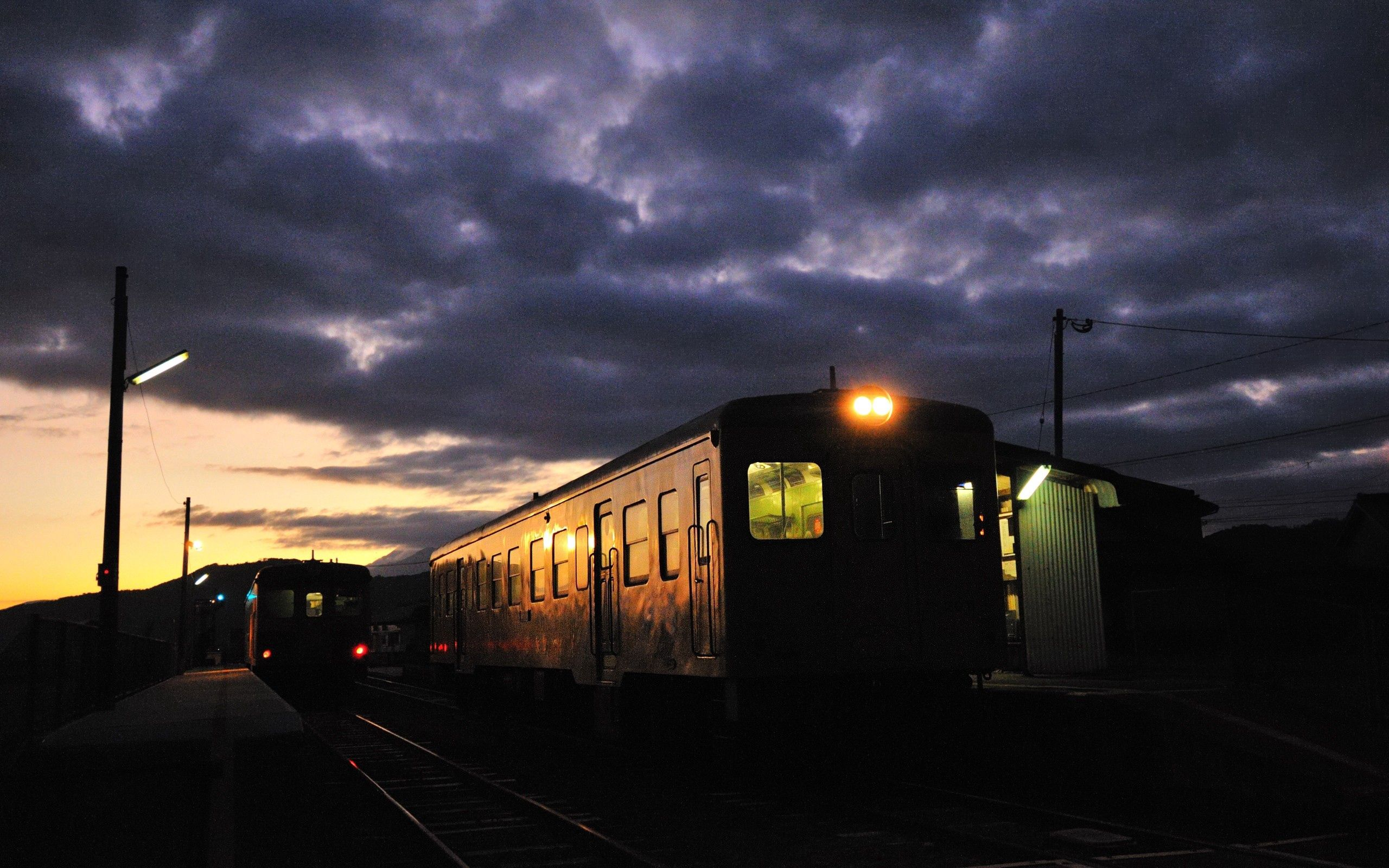 70864 Screensavers and Wallpapers Train for phone. Download Dark, Night, Shine, Light, Train pictures for free