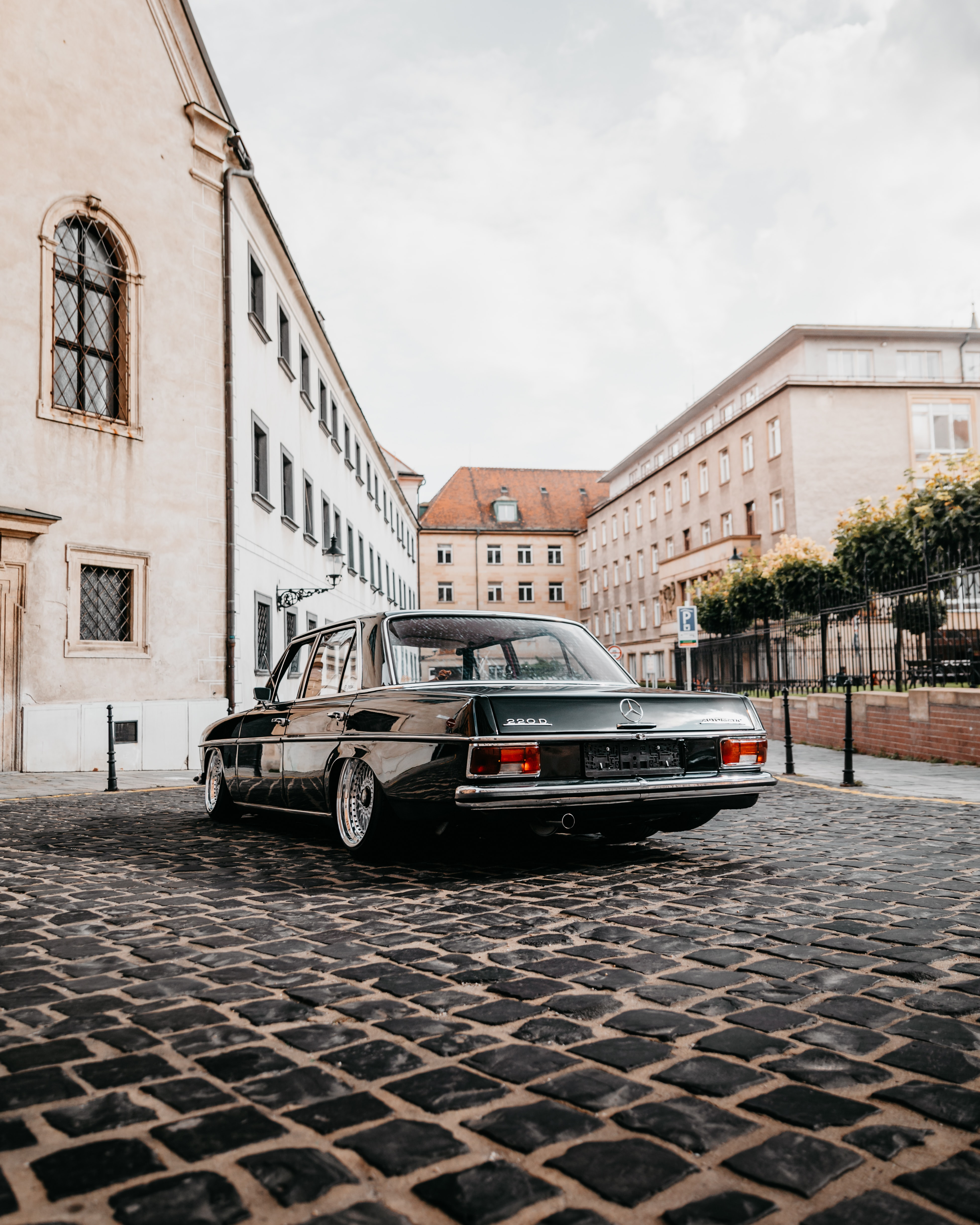131093 Screensavers and Wallpapers Retro for phone. Download Cars, Mercedes-Benz, Car, Retro, Back View, Rear View pictures for free