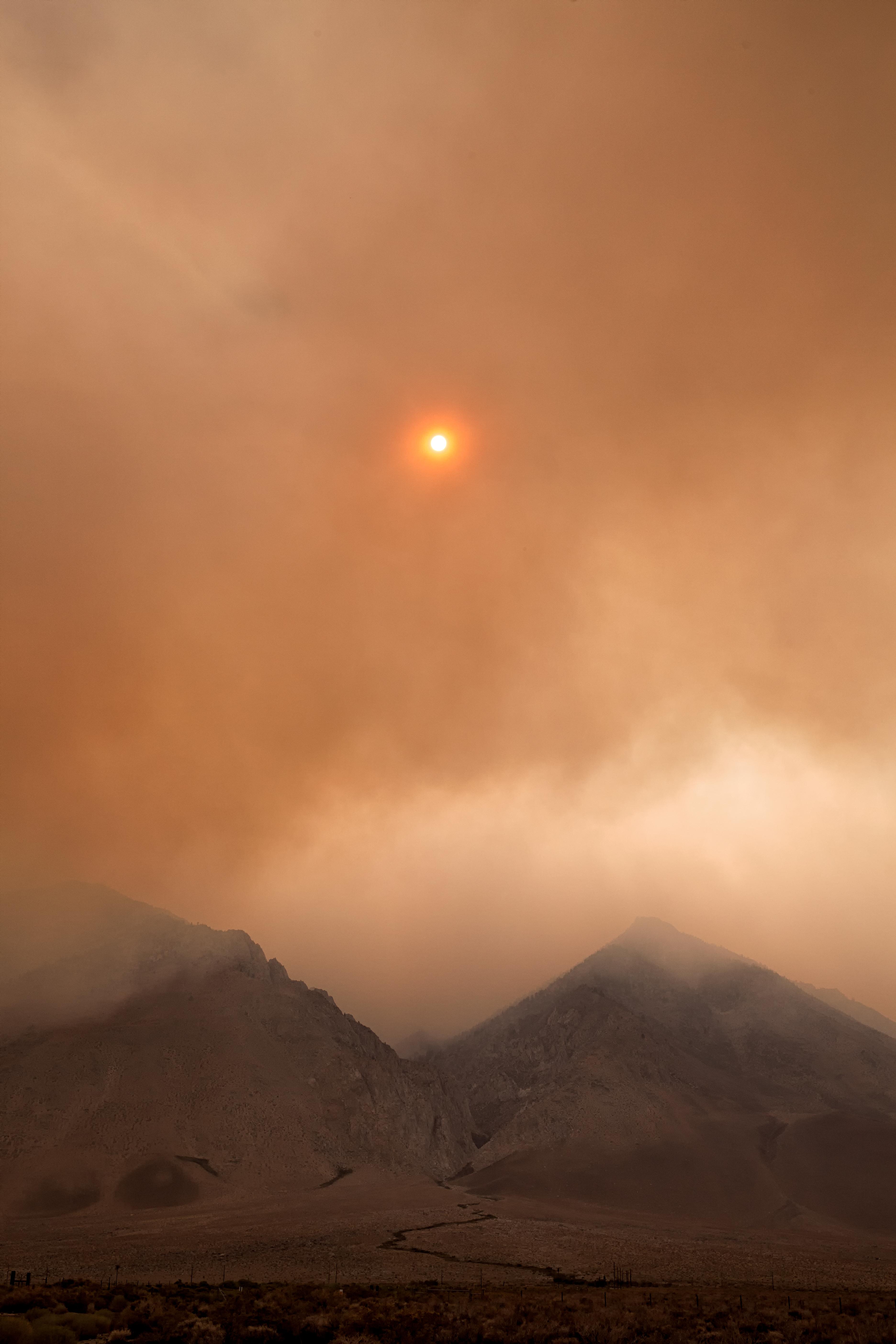 146767 скачать обои Природа, Туман, Облака, Мгла, Горы - заставки и картинки бесплатно