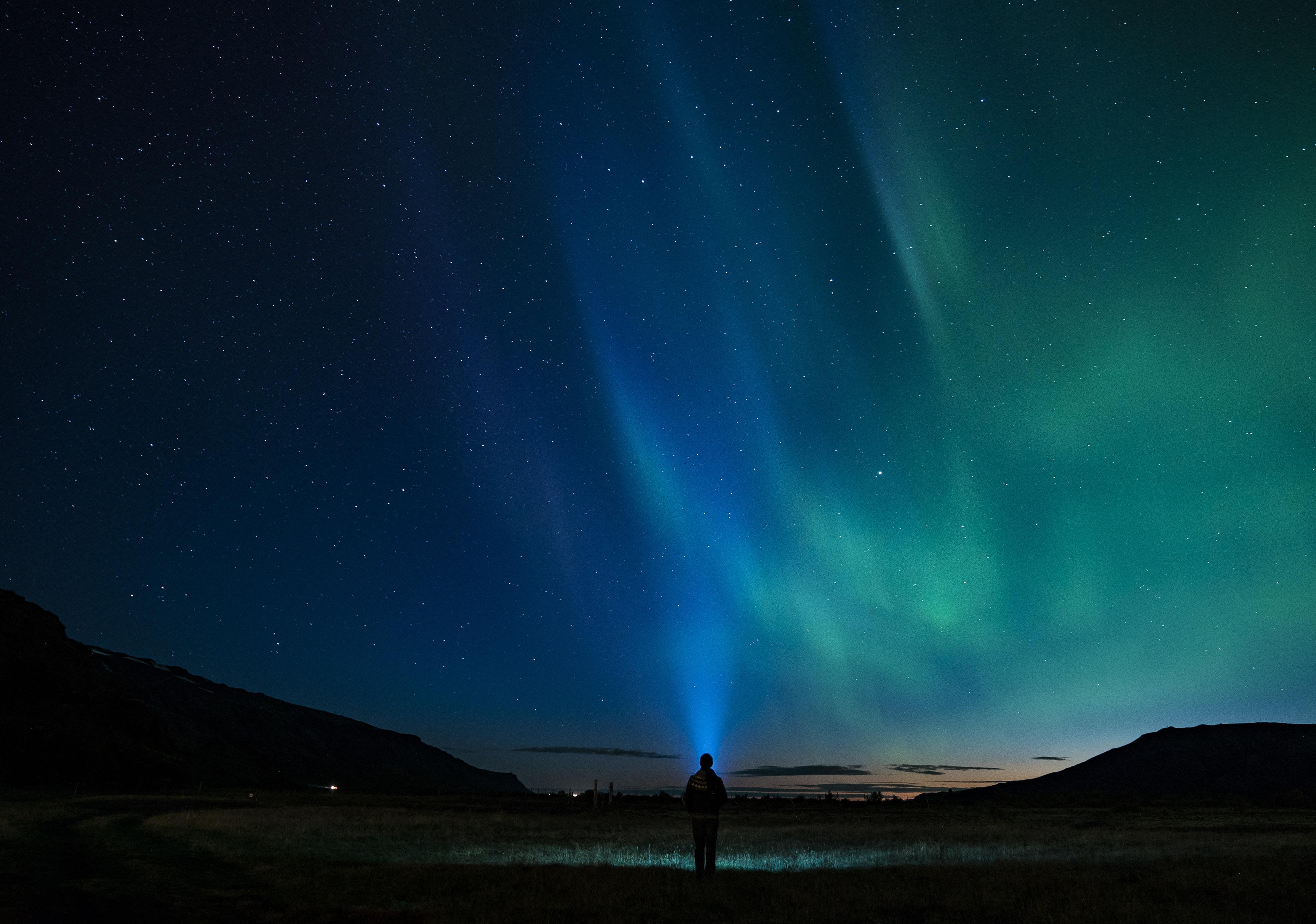 118552壁紙のダウンロード闇, 暗い, 星空, シルエット, オーロラ, 北極光, 孤独, 寂しさ-スクリーンセーバーと写真を無料で