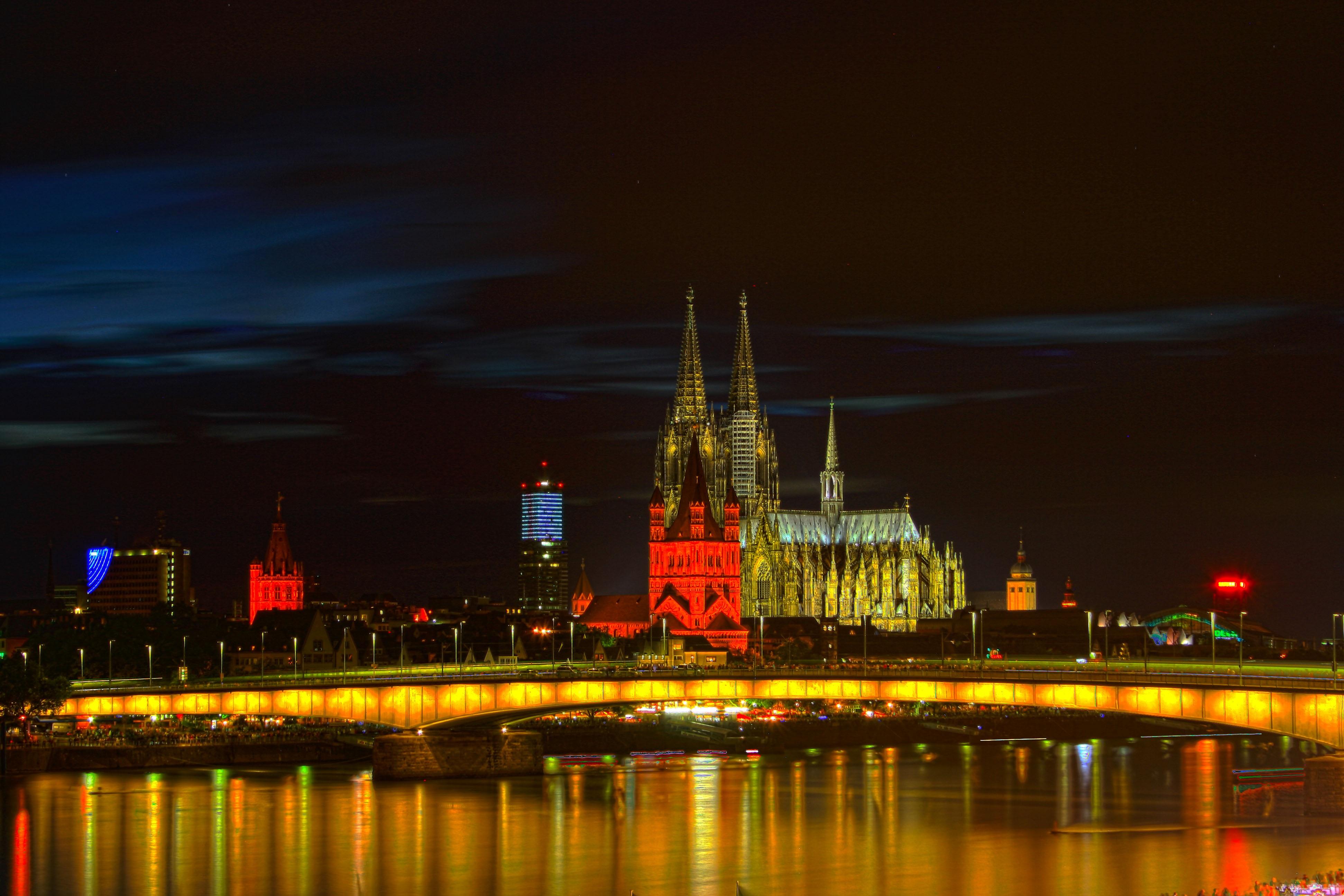 68232 Hintergrundbild herunterladen Städte, Gothic, Architektur, Nächtliche Stadt, Night City, Gotisch, Deutschland, Köln - Bildschirmschoner und Bilder kostenlos