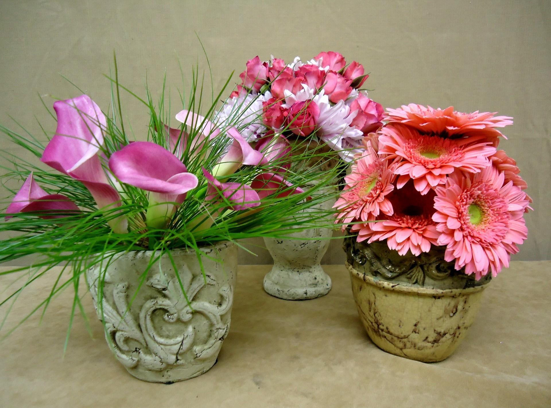 129415 télécharger le fond d'écran Fleurs, Callas, Calla, Vase, Vases, Roses, Gerberas, Bouquets - économiseurs d'écran et images gratuitement