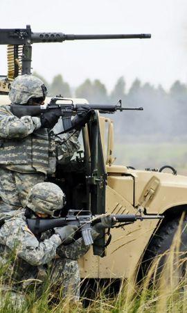 24984 скачать обои Транспорт, Машины, Люди, Мужчины, Хаммер (Hummer), Оружие, Солдаты - заставки и картинки бесплатно