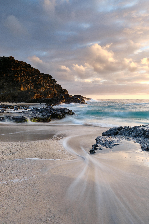 140779 Hintergrundbild 1024x600 kostenlos auf deinem Handy, lade Bilder Natur, Surfen, Sand, Felsen, Die Steine, Ufer, Bank, Ozean 1024x600 auf dein Handy herunter