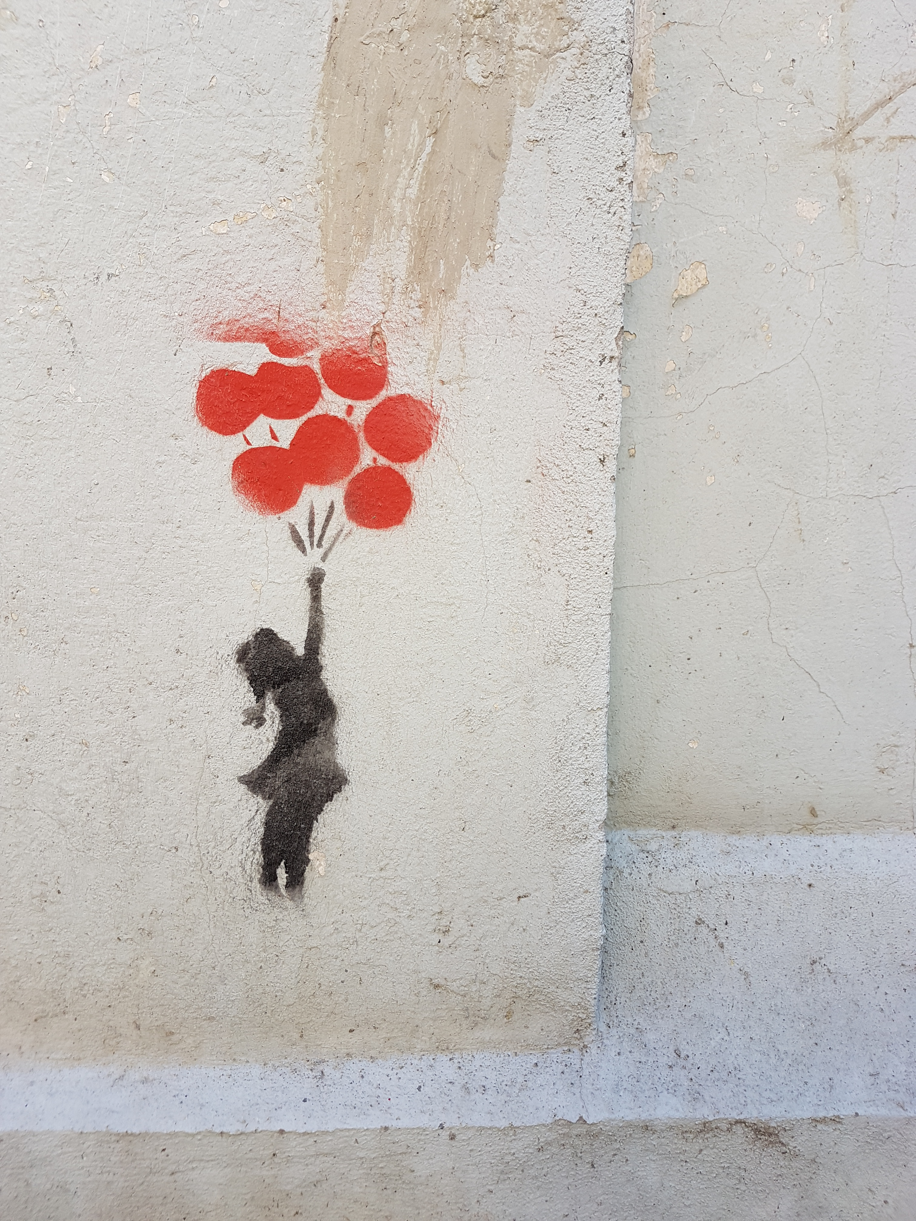 98274 Screensavers and Wallpapers Balloons for phone. Download Art, Balloons, Paint, Wall, Graffiti, Child, Street Art pictures for free