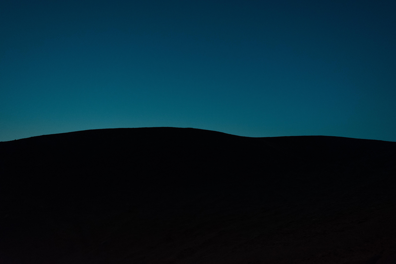 63390 免費下載壁紙 黑暗的, 黑暗, 爬坡道, 山丘, 夜, 地平线, 极简主义 屏保和圖片