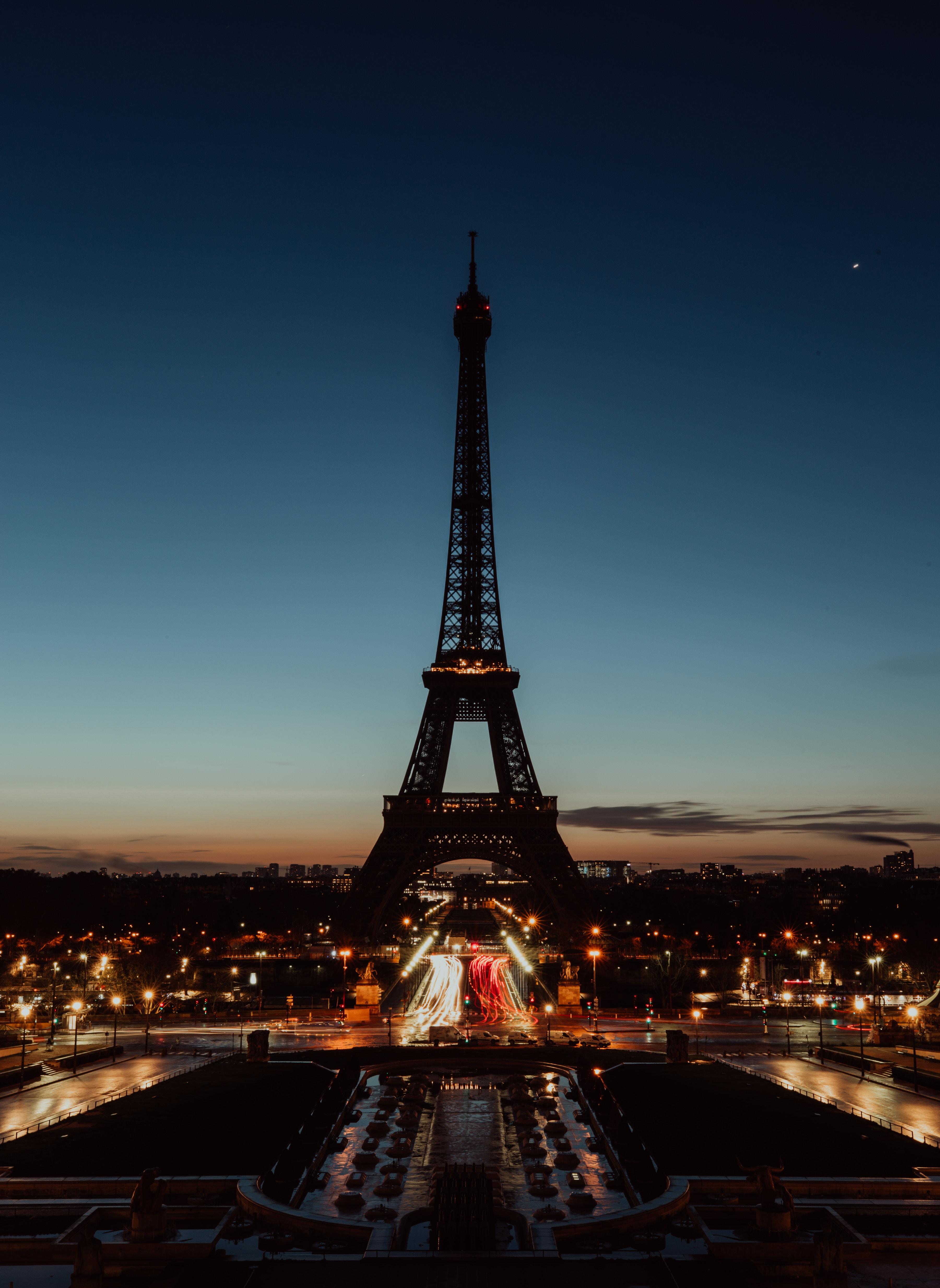 56613 télécharger le fond d'écran Paris, Nuit, Lumières De La Ville, Villes, Tour Eiffel - économiseurs d'écran et images gratuitement