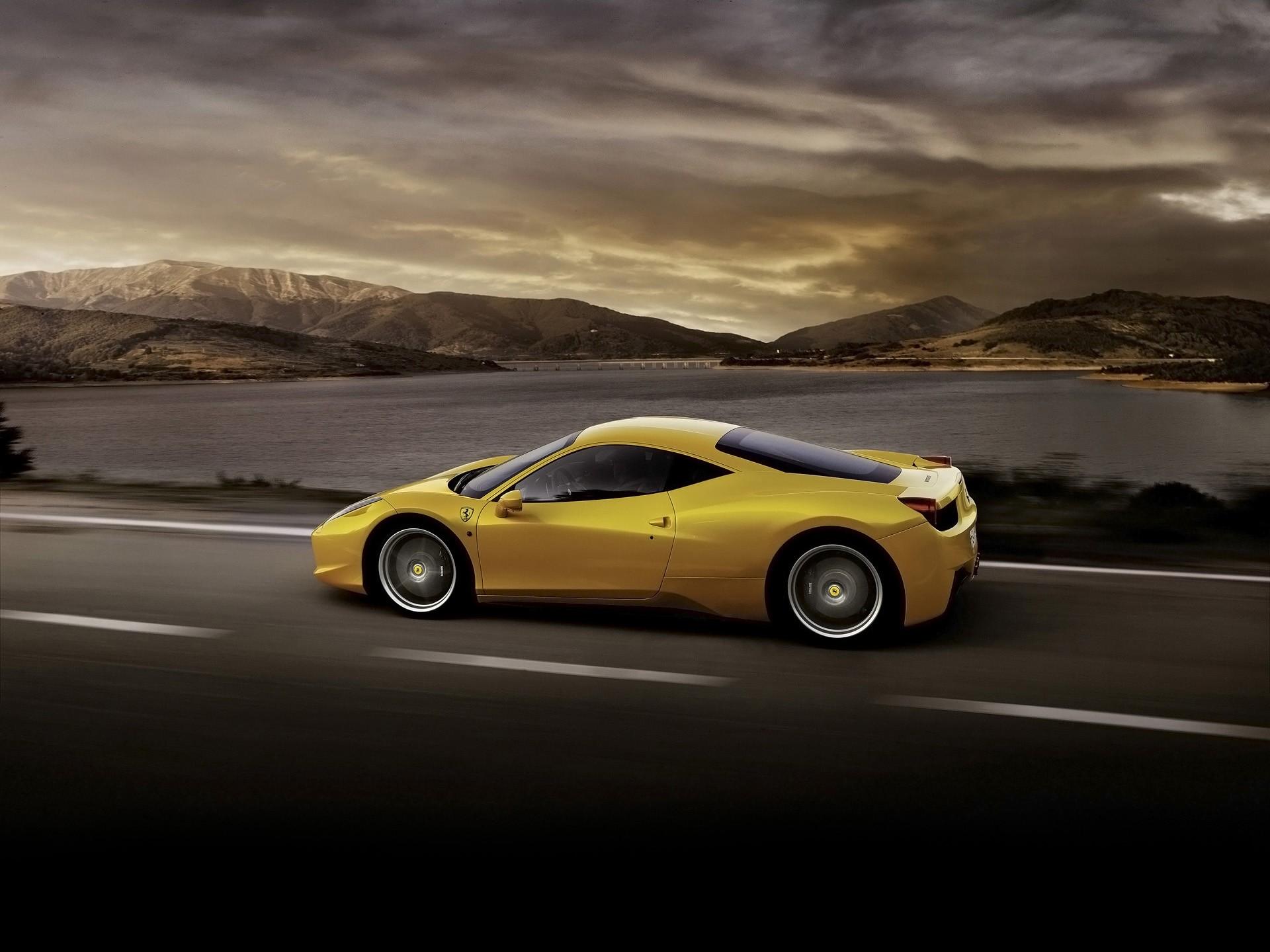 142972 descarga Amarillo fondos de pantalla para tu teléfono gratis, Coches, Ferrari 458 Italia, Automóvil, Vista Lateral, Perfil, Velocidad Amarillo imágenes y protectores de pantalla para tu teléfono