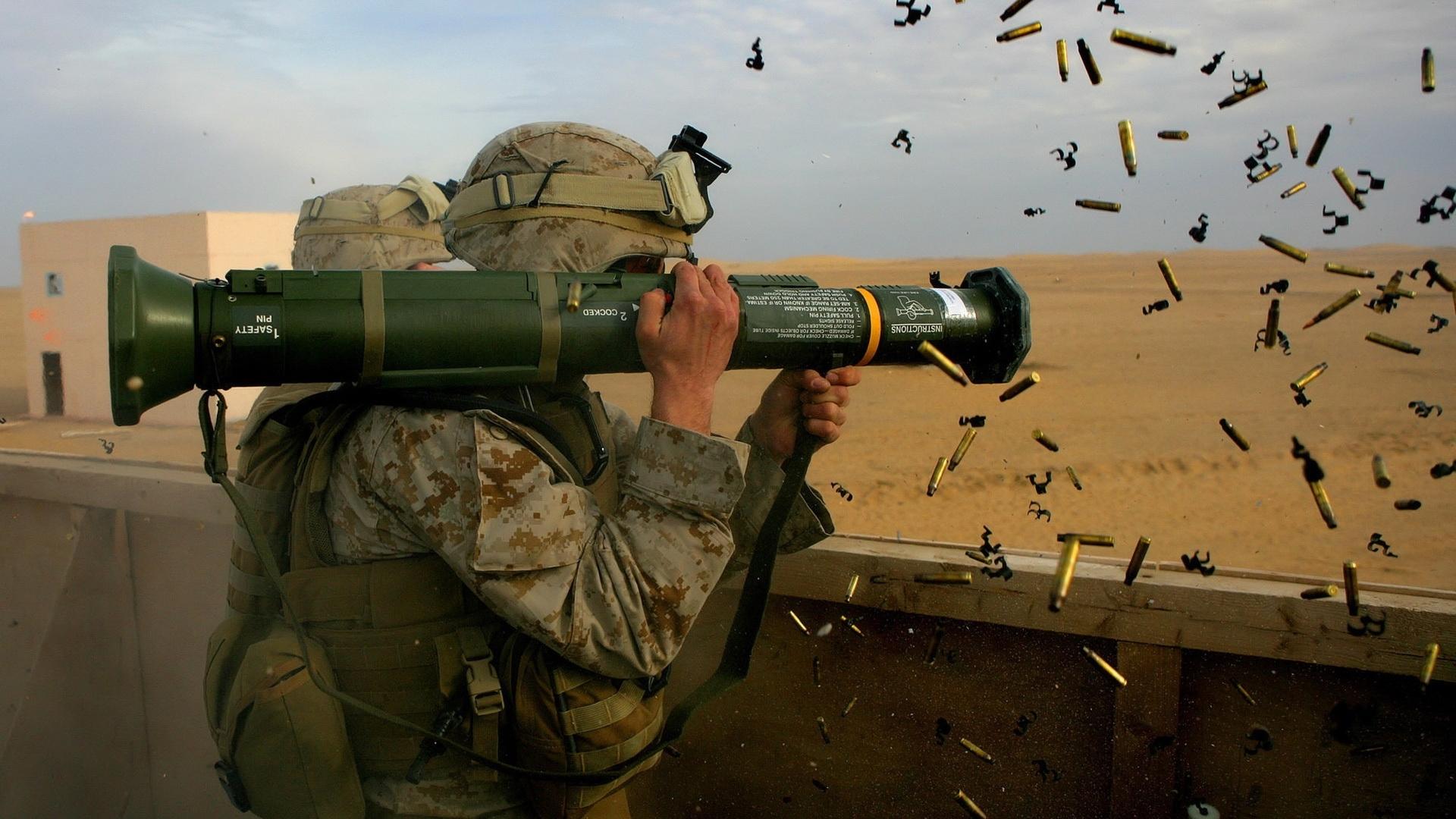 28987 Hintergrundbild herunterladen Menschen, Männer, Soldiers - Bildschirmschoner und Bilder kostenlos