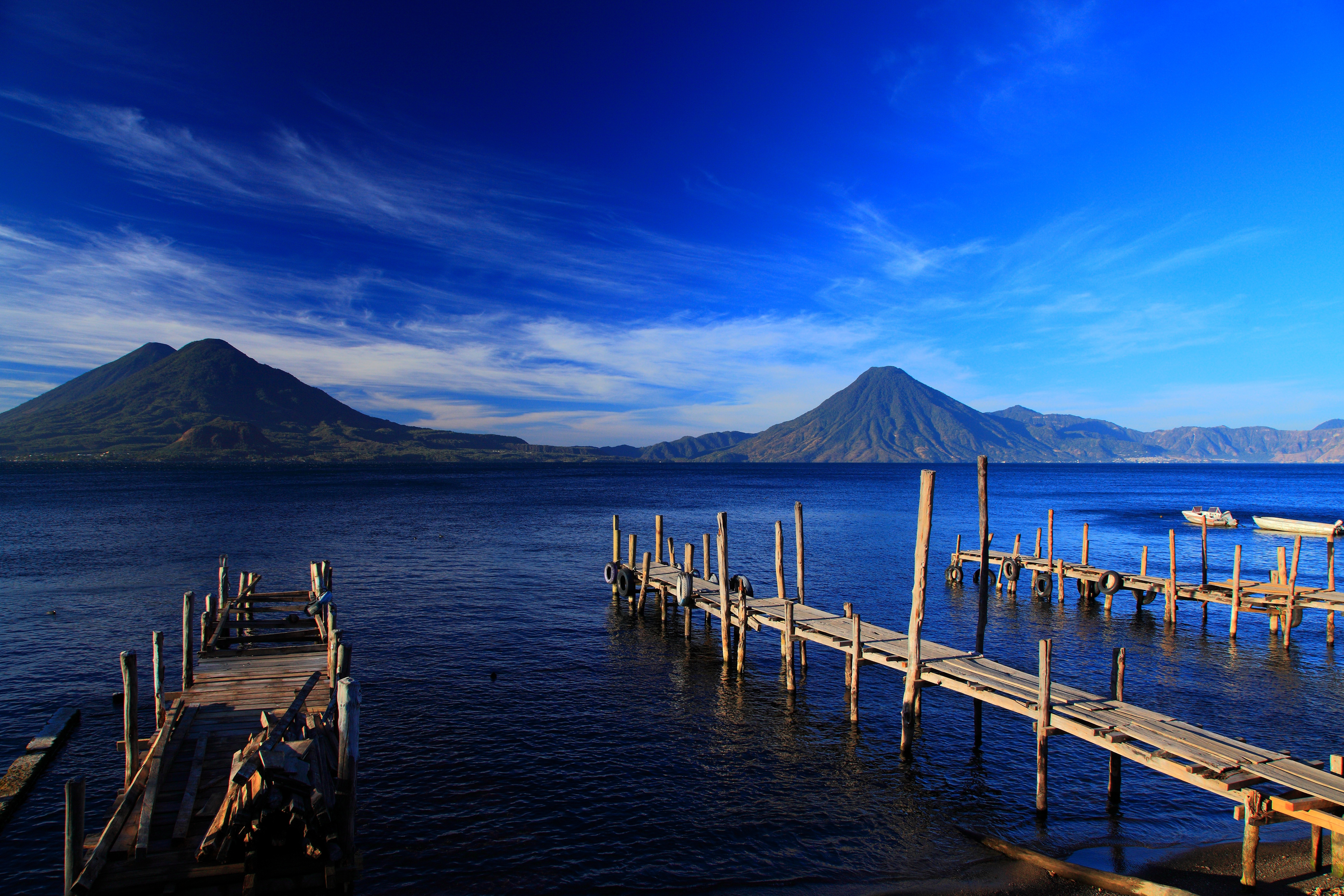 112780 papel de parede 720x1520 em seu telefone gratuitamente, baixe imagens Natureza, Montanhas, Costa, Banco, Ilha, Guatemala 720x1520 em seu celular
