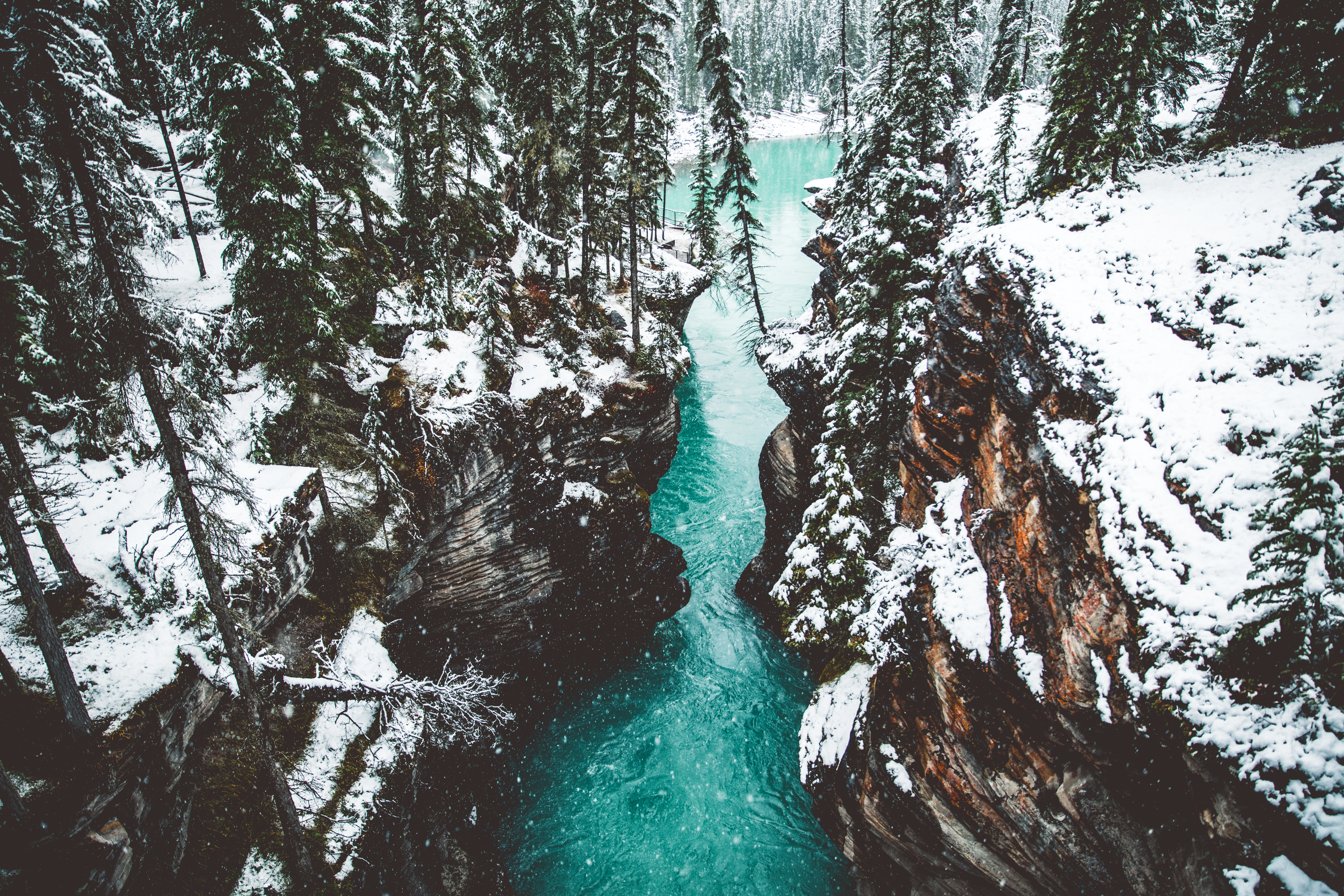86435 download wallpaper Nature, Waterfall, Break, Precipice, Canyon, Athabasca, Canada screensavers and pictures for free
