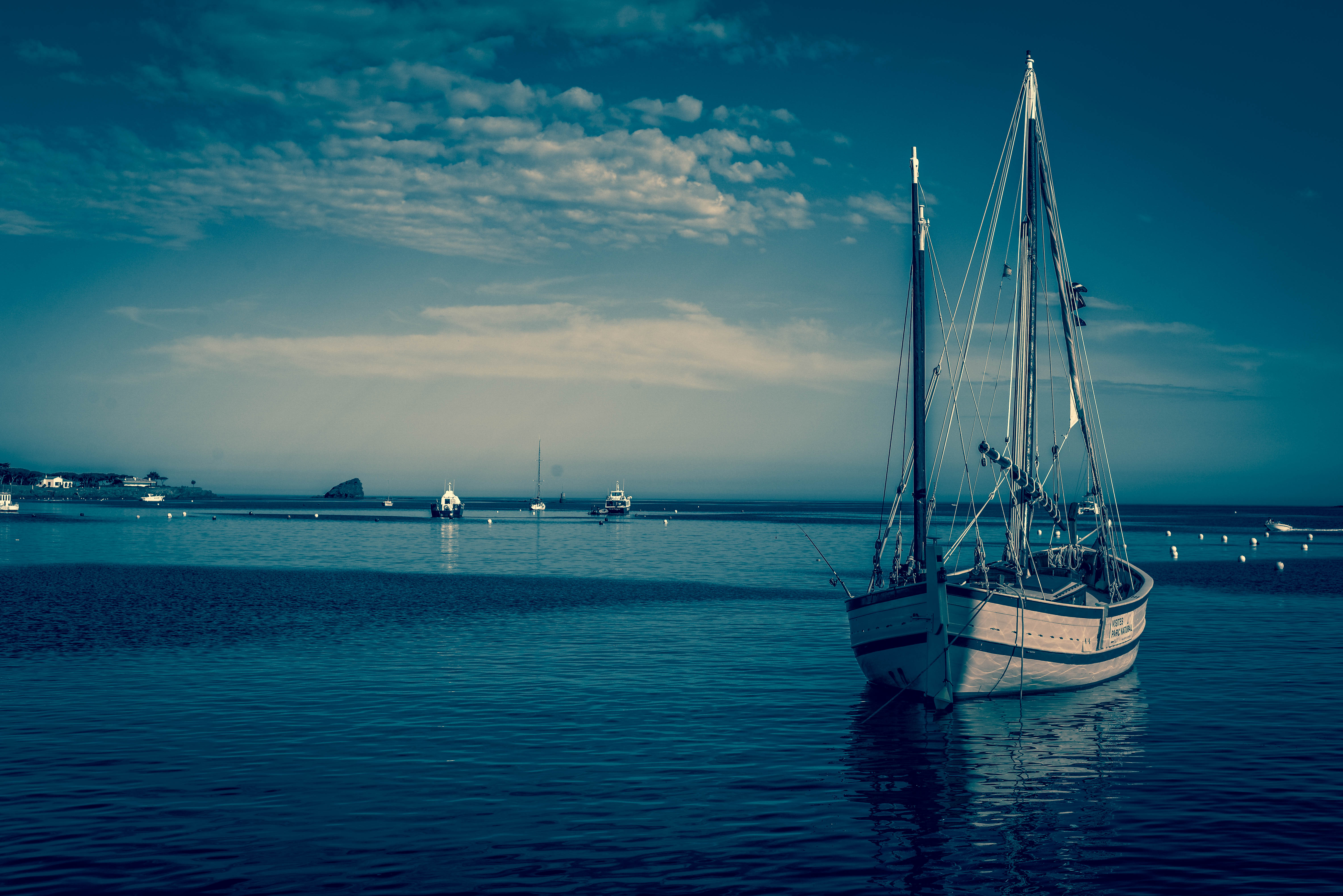 57748 download wallpaper Miscellanea, Miscellaneous, Boat, Harbor, Sea screensavers and pictures for free