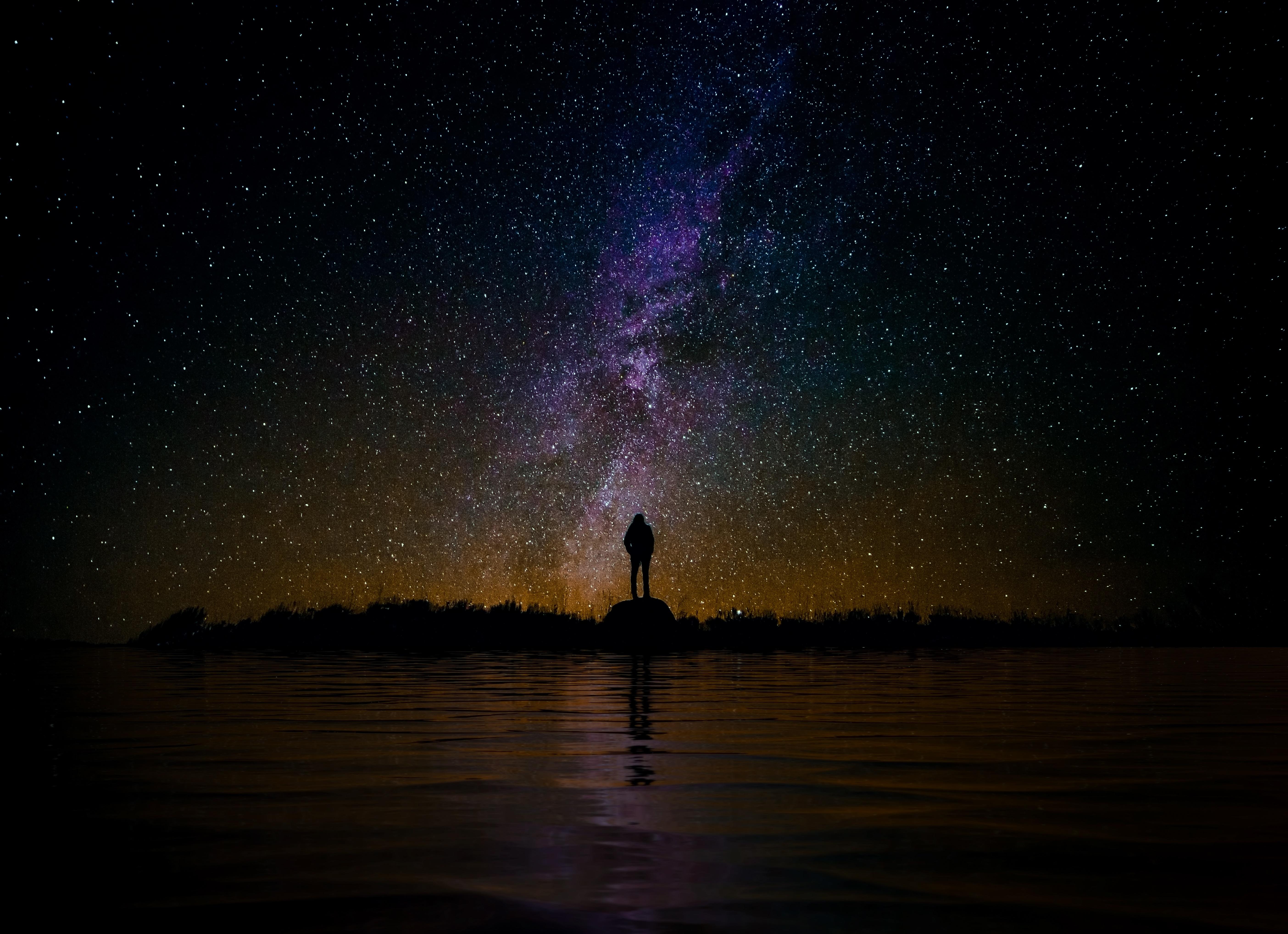 61715 скачать обои Темные, Силуэт, Звездное Небо, Ночь, Отражение, Одиночество, Уединение - заставки и картинки бесплатно