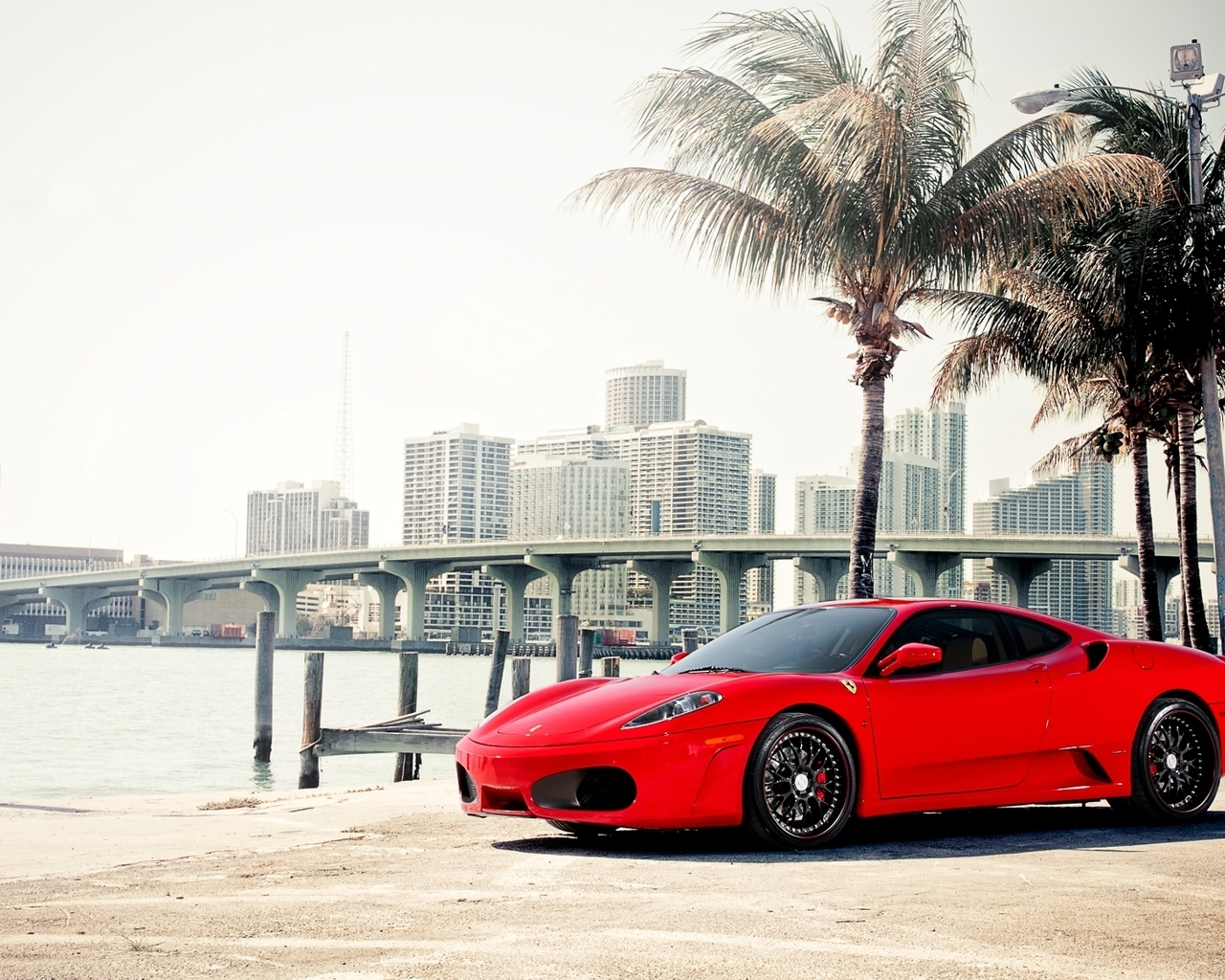 13001 скачать обои Транспорт, Машины, Феррари (Ferrari) - заставки и картинки бесплатно