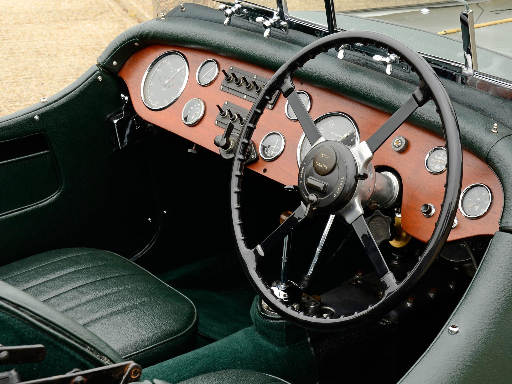 98906 Заставки и Обои Астон Мартин (Aston Martin) на телефон. Скачать Ретро, Интерьер, Астон Мартин (Aston Martin), Тачки (Cars), Зеленый, Руль, Салон, 1937 картинки бесплатно