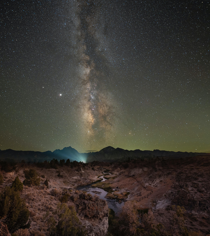 140747 скачать обои Темные, Туманность, Ночь, Звездное Небо, Скалы, Звезды - заставки и картинки бесплатно