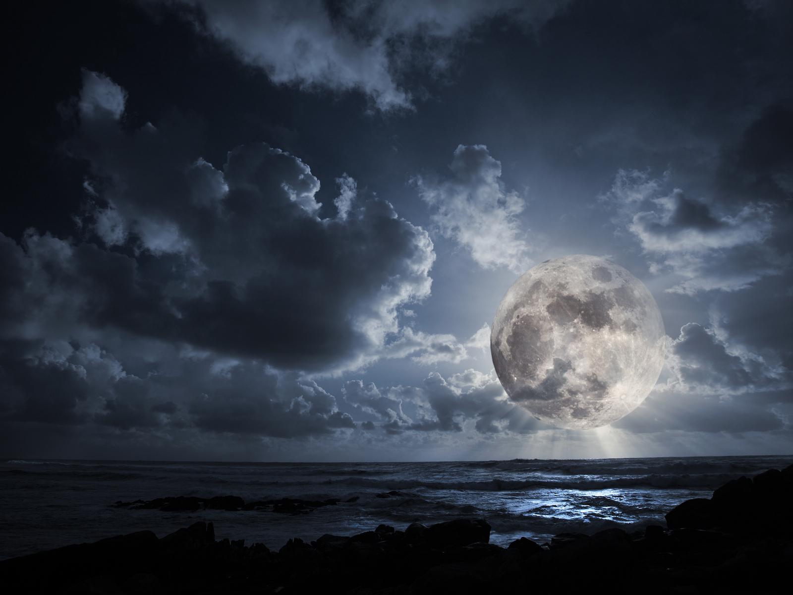 18213 скачать обои Пейзаж, Небо, Море, Облака, Луна - заставки и картинки бесплатно