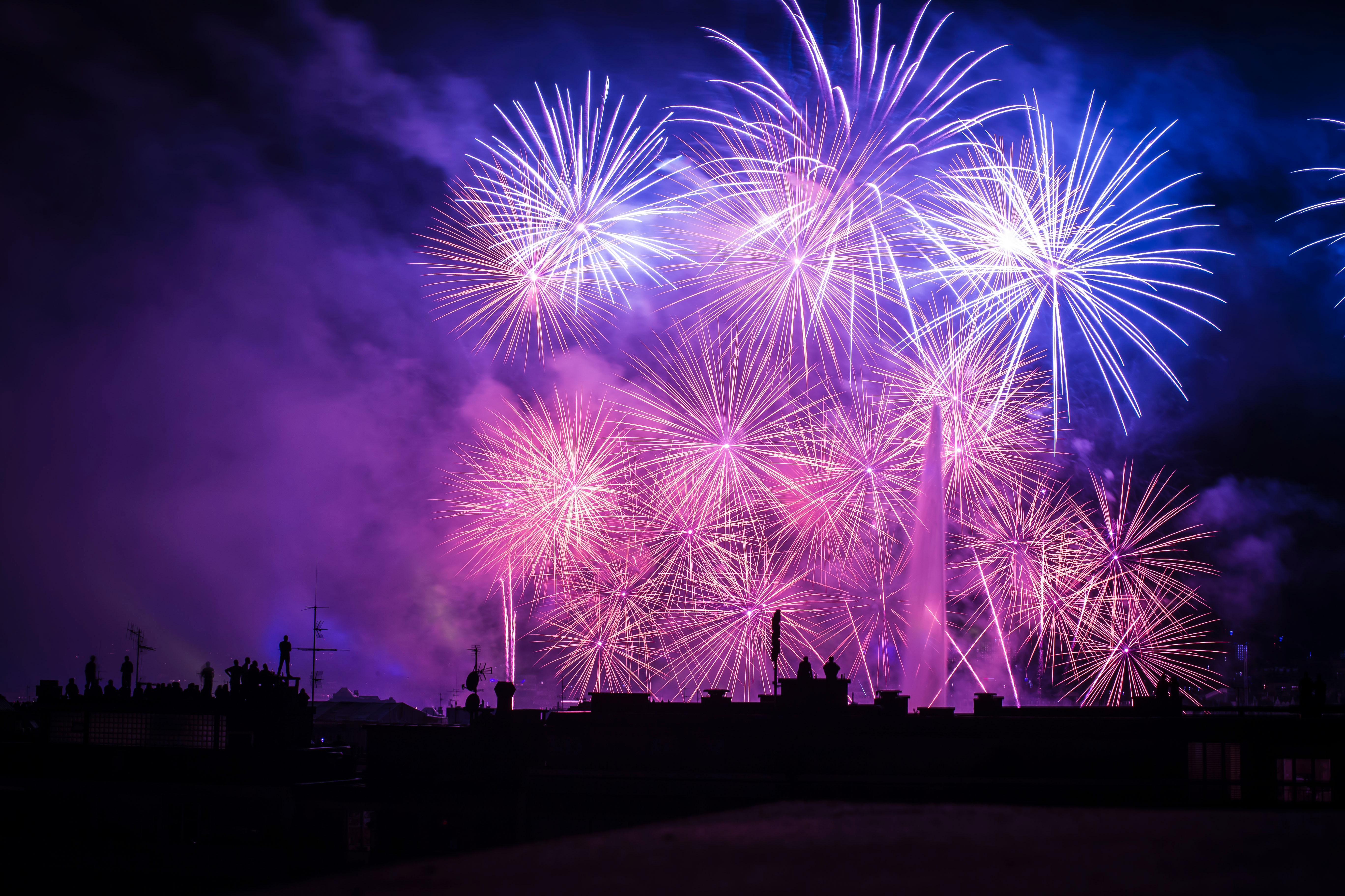 111327 download wallpaper Holidays, Night, Salute, Handsomely, It's Beautiful, Fireworks, Firework screensavers and pictures for free