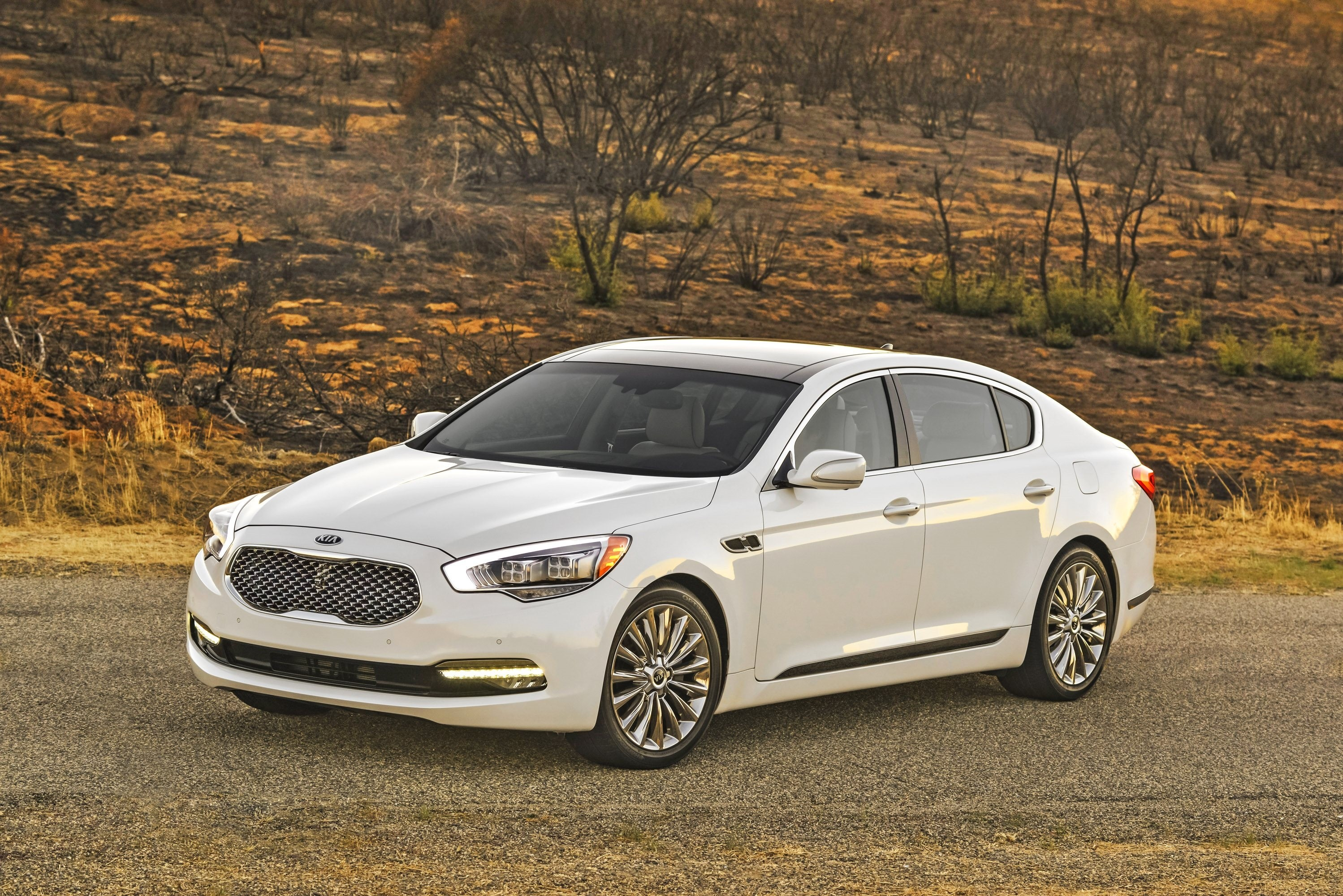 136404 Hintergrundbild herunterladen Kia, Cars, Limousine, 2015, Premiumklasse, Premium-Klasse - Bildschirmschoner und Bilder kostenlos