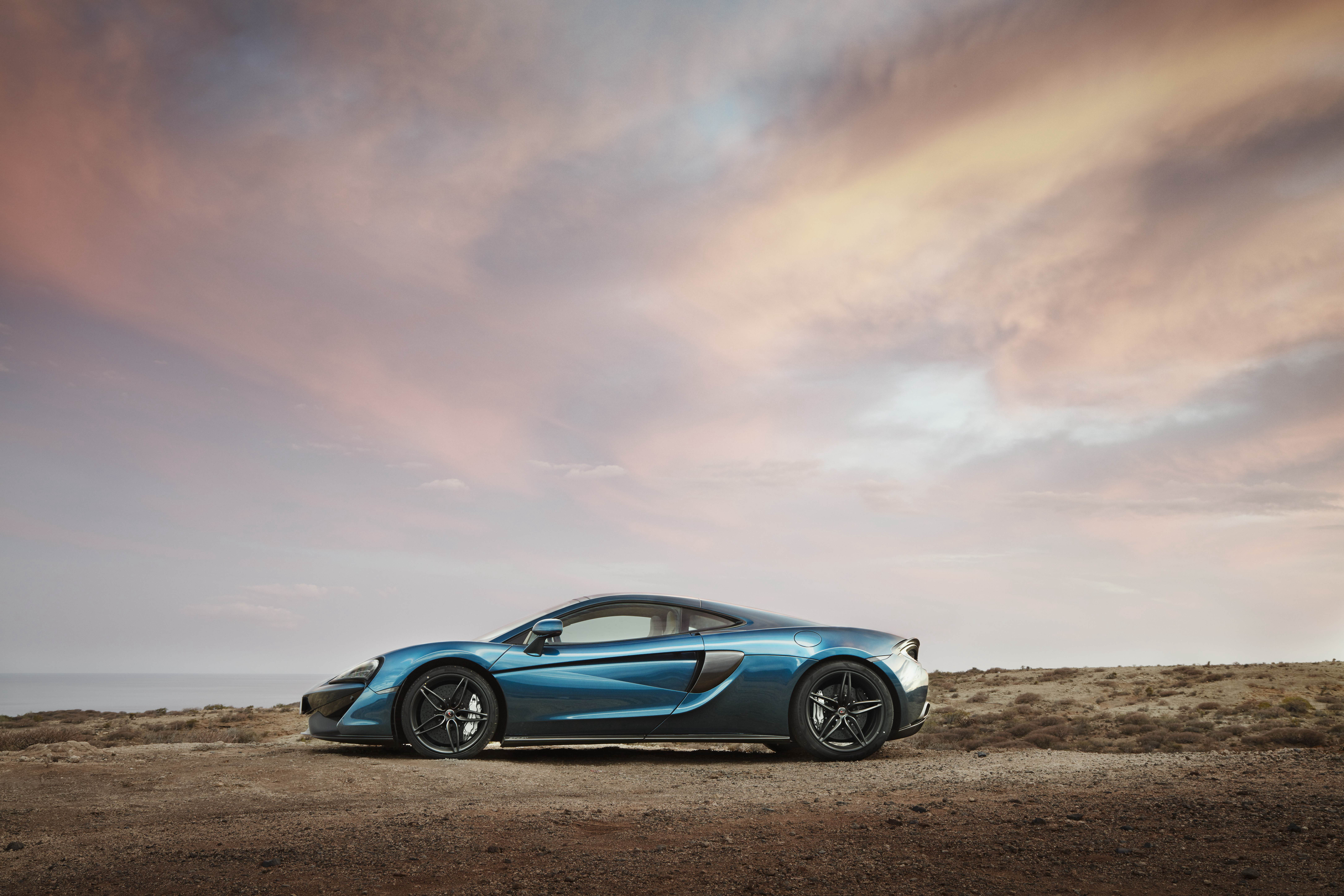 118522 download wallpaper Cars, Mclaren, 570Gt, Side View, Auto screensavers and pictures for free