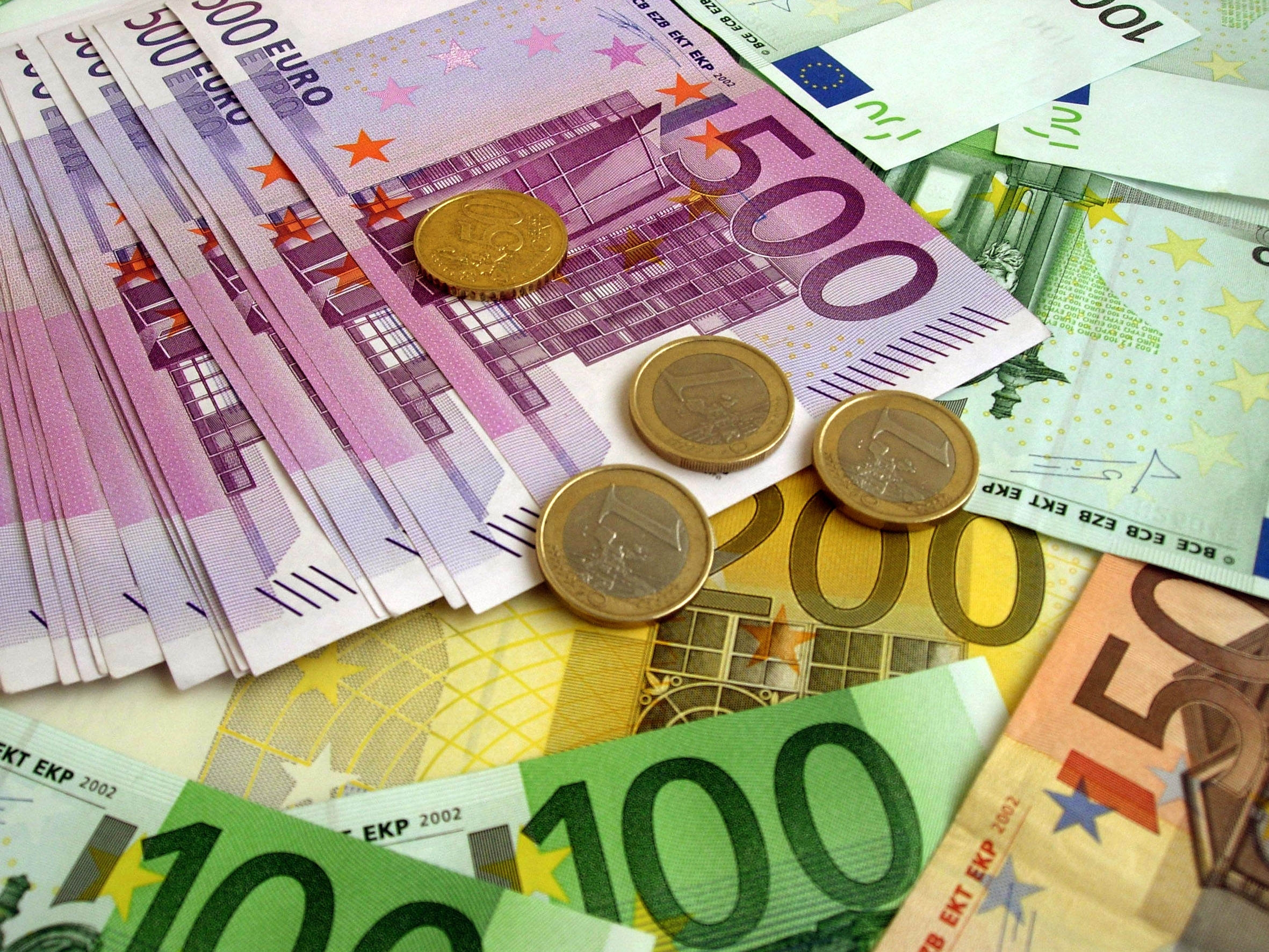 100284 download wallpaper Miscellanea, Miscellaneous, Money, Euro, Banknotes, Bills, Coins screensavers and pictures for free