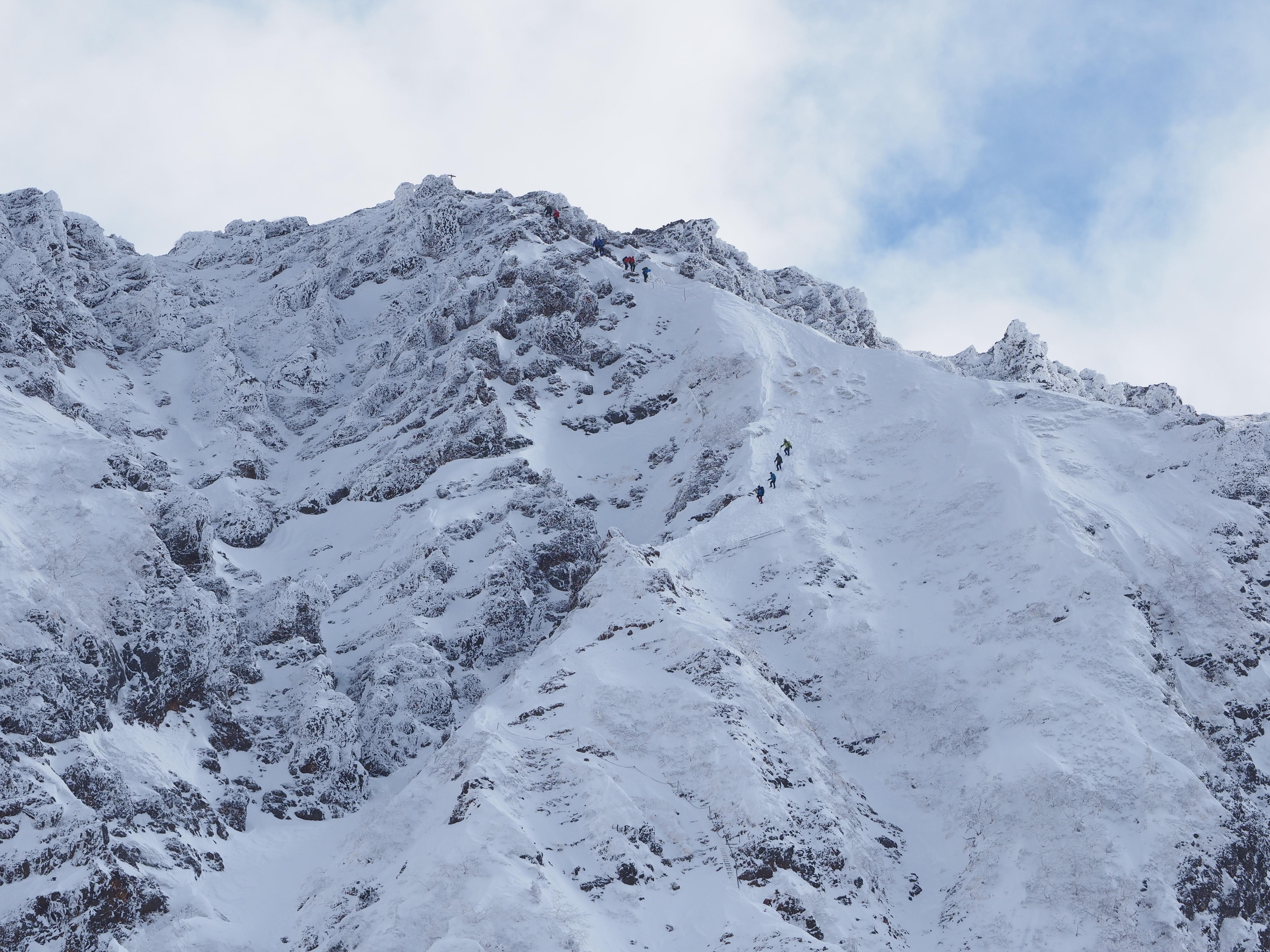 127640 descargar fondo de pantalla Naturaleza, Montaña, Pendiente, Cuesta, Nieve, Personas: protectores de pantalla e imágenes gratis