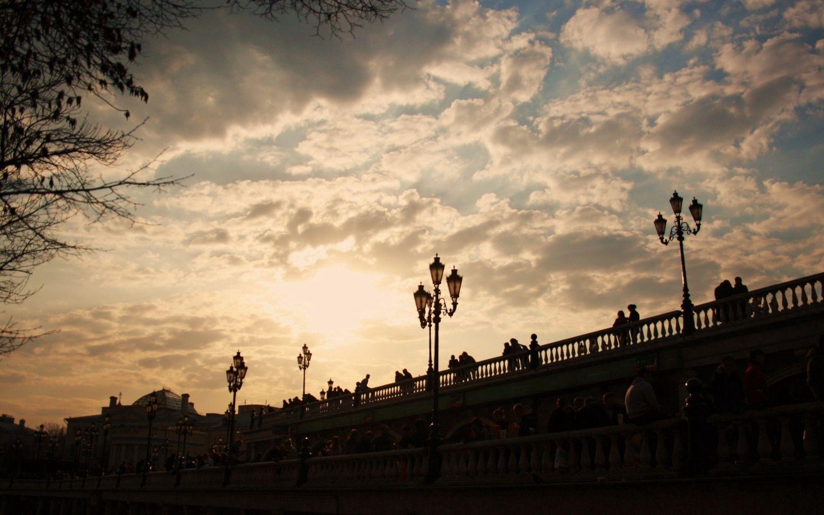 103106 скачать обои Москва, Мост, Фонари, Закат, Города - заставки и картинки бесплатно