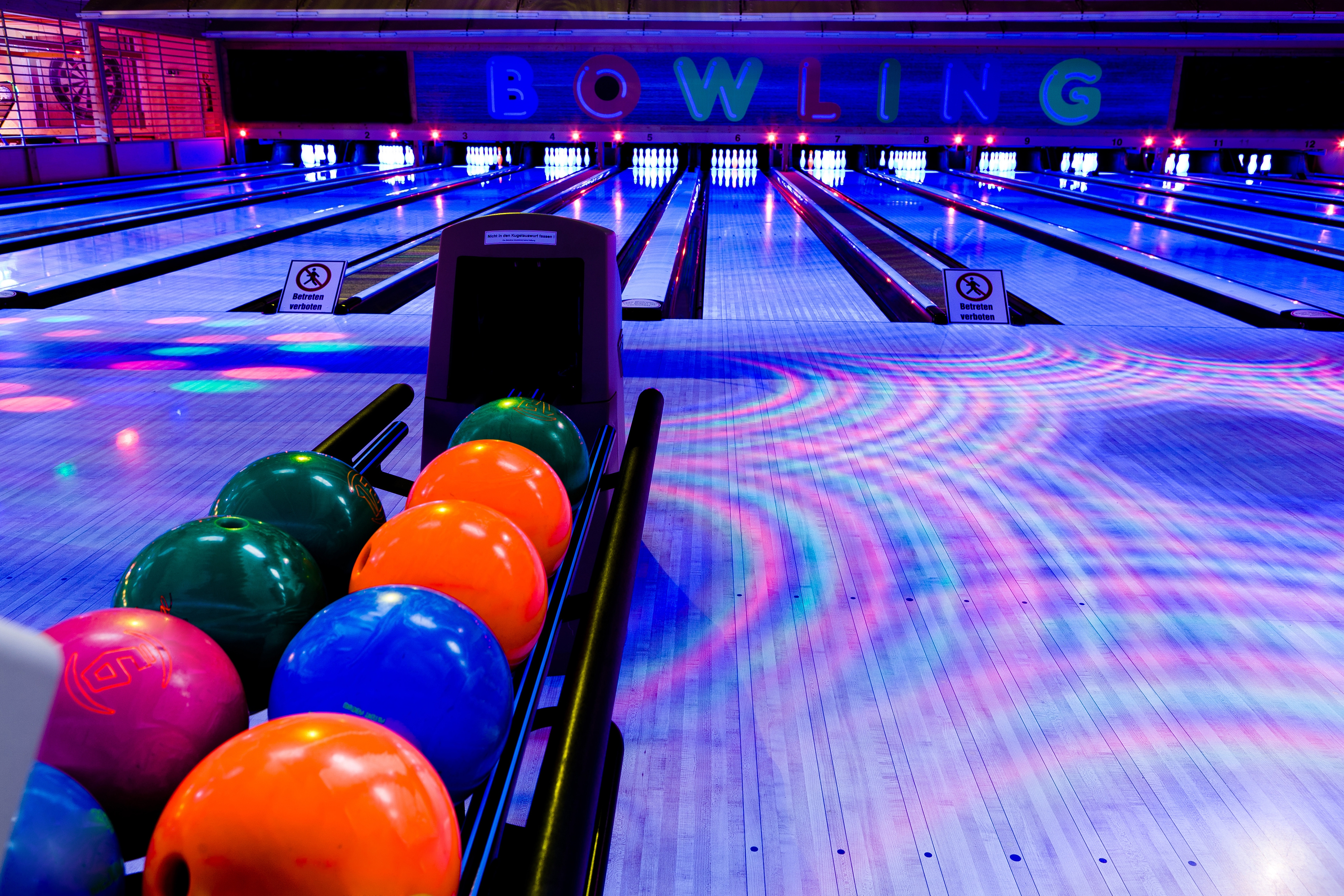110897 Screensavers and Wallpapers Balls for phone. Download Sports, Balls, Skittles, Bowling, Club pictures for free