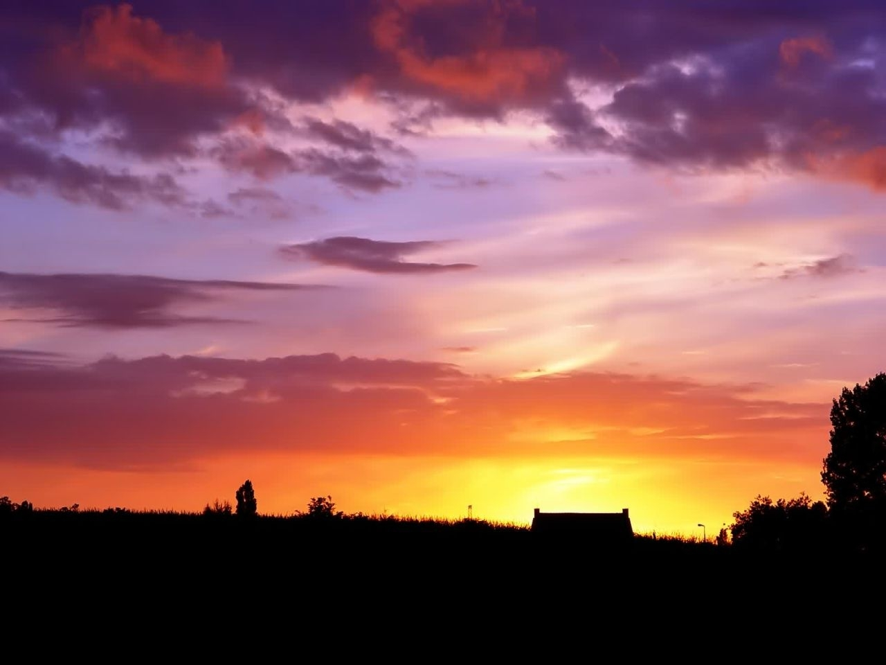 1047 download wallpaper Landscape, Sunset, Sky screensavers and pictures for free