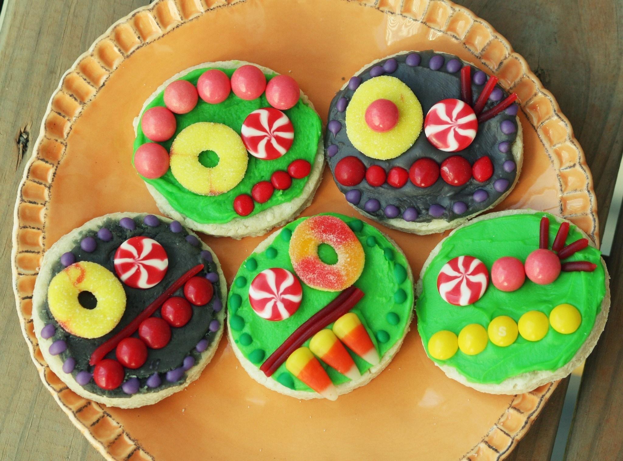 手機的65948屏保和壁紙搞笑。 免費下載 食物, 糖果, 甜食, 有色, 彩色, 有趣的, 搞笑, 面孔, 罗日兹, 饼干 圖片